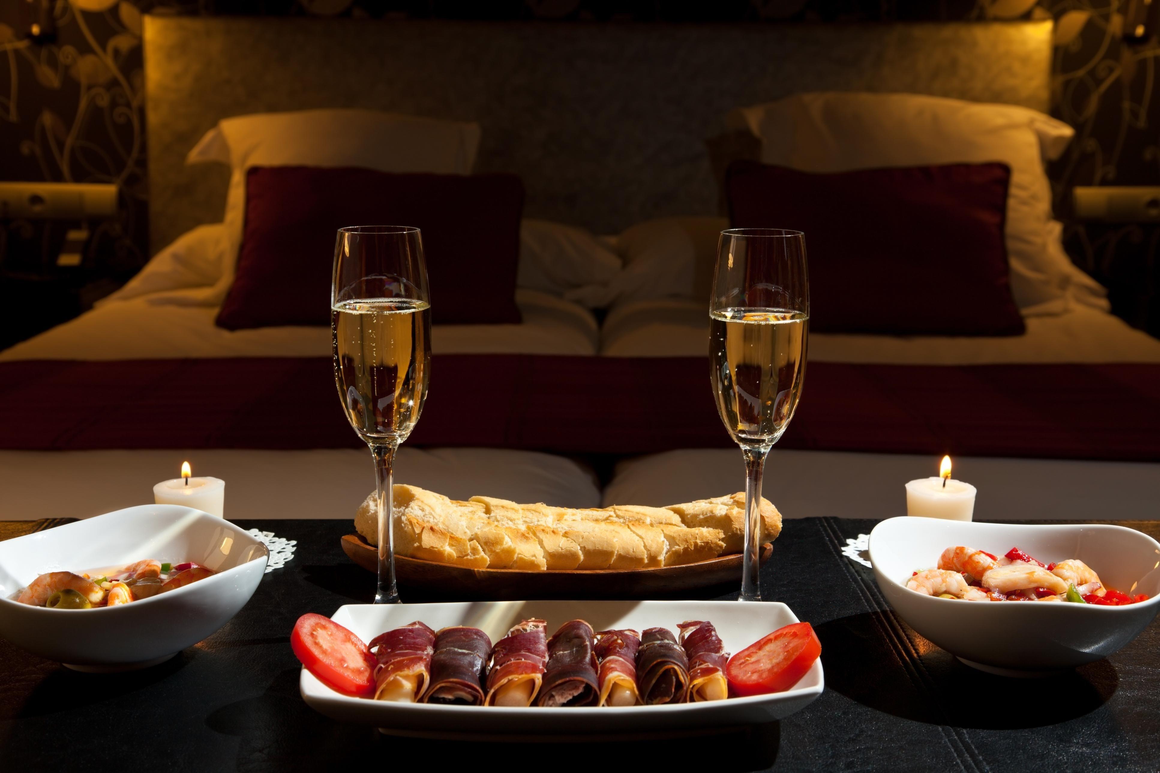 10 Attractive Romantic Dinner Ideas For Two facebook twitter google pinterest linkedin stumbleupon e mail 5 2020