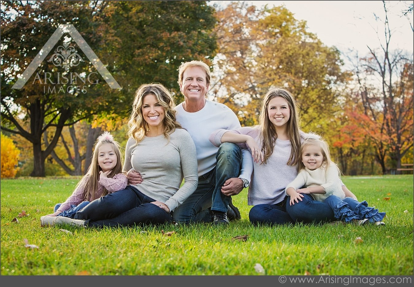 10 Spectacular Family Picture Ideas What To Wear fall family photo ideas fizara 2020