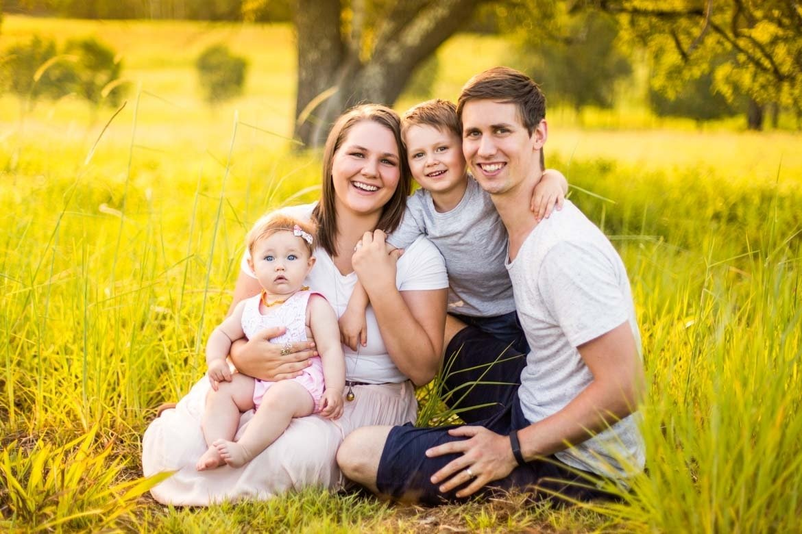 10 Fabulous Family Of 4 Picture Ideas Photography Portrait Poses