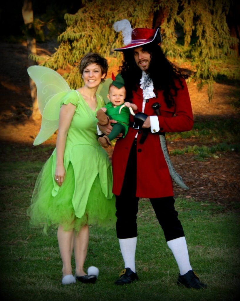 10 Gorgeous Family Of Three Halloween Costume Ideas family of three halloween costume ideas clothing trends 1 2021