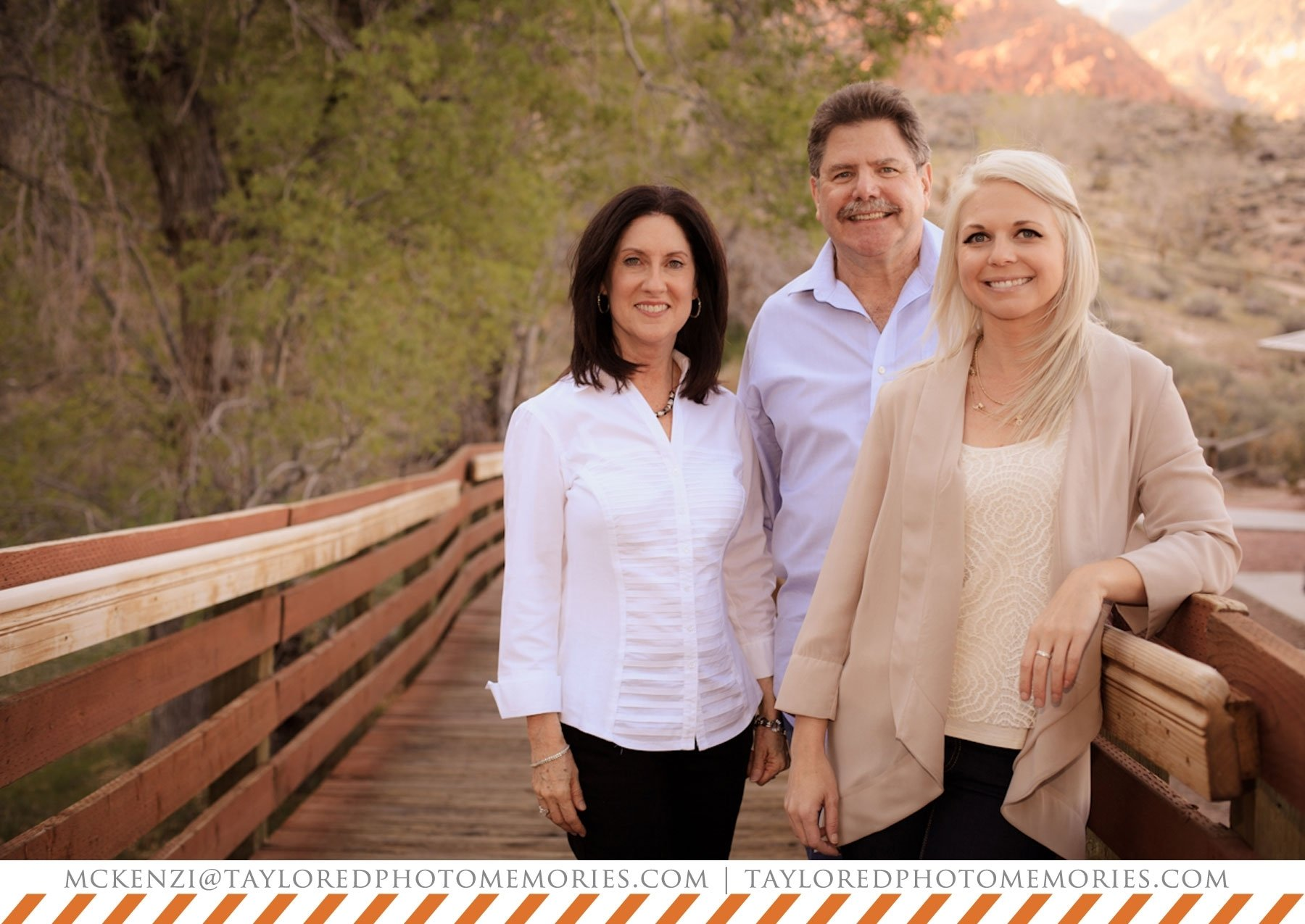 10 Lovable Family Photo Ideas With Older Kids family photos with adult children red rock canyon photography 2020