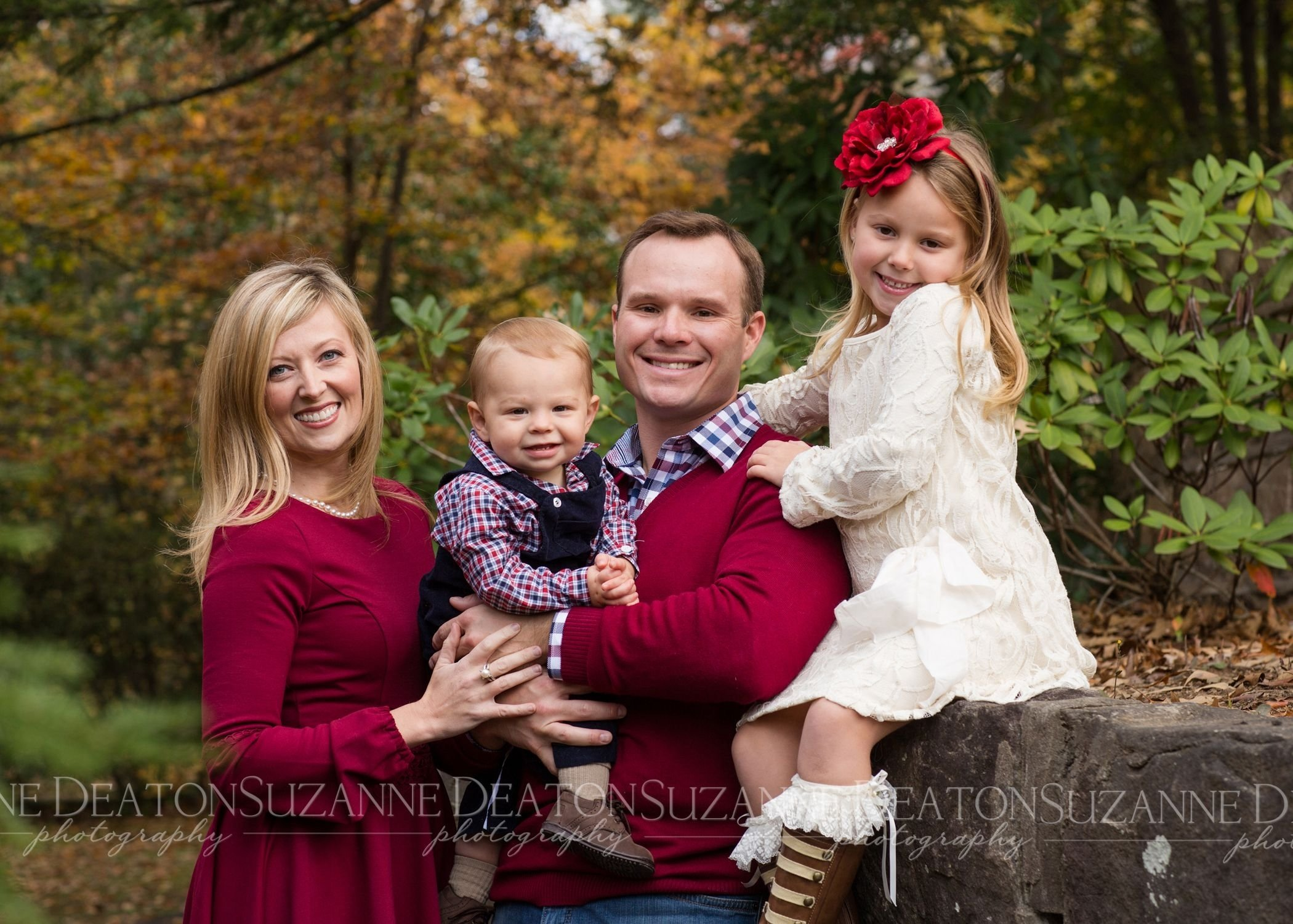 10 Ideal Fall Family Portrait Clothing Ideas