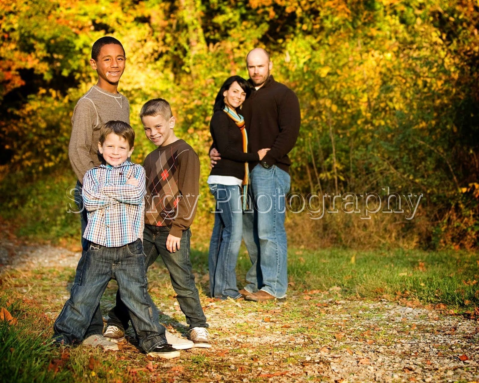 family portrait clothing ideas | in true color: fall family