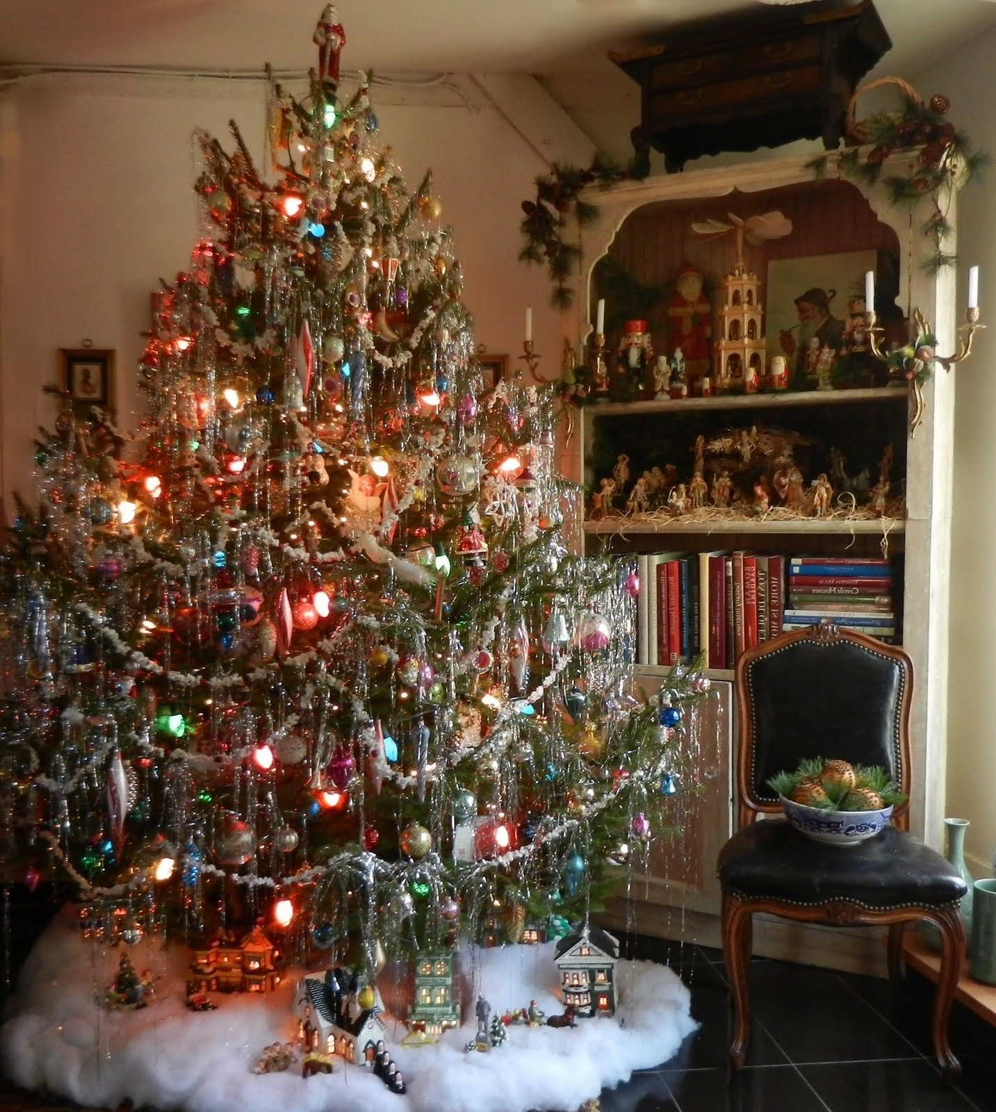 10 Beautiful Old Fashioned Christmas Decorating Ideas fantastic tinsel christmas tree interior pinterest tinsel how to 2020