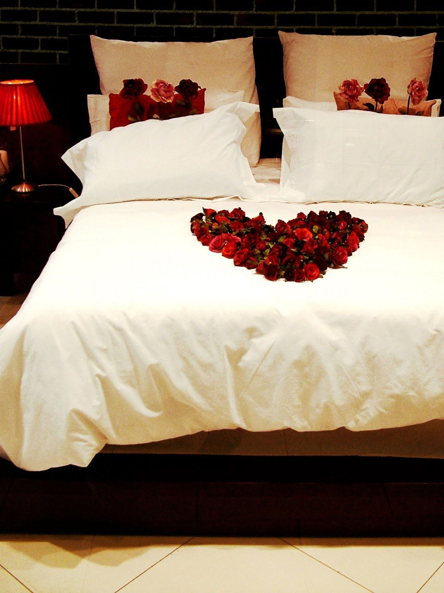 10 Lovable Romantic Hotel Ideas For Him
