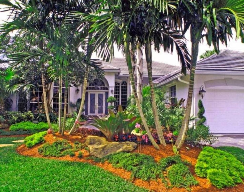 10 Attractive Tropical Landscaping Ideas For Front Yard fascinating tropical front yard landscaping ideas for inspiration 2020