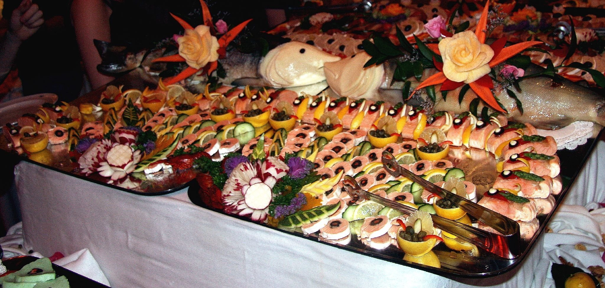 file:christmas buffet - wikimedia commons