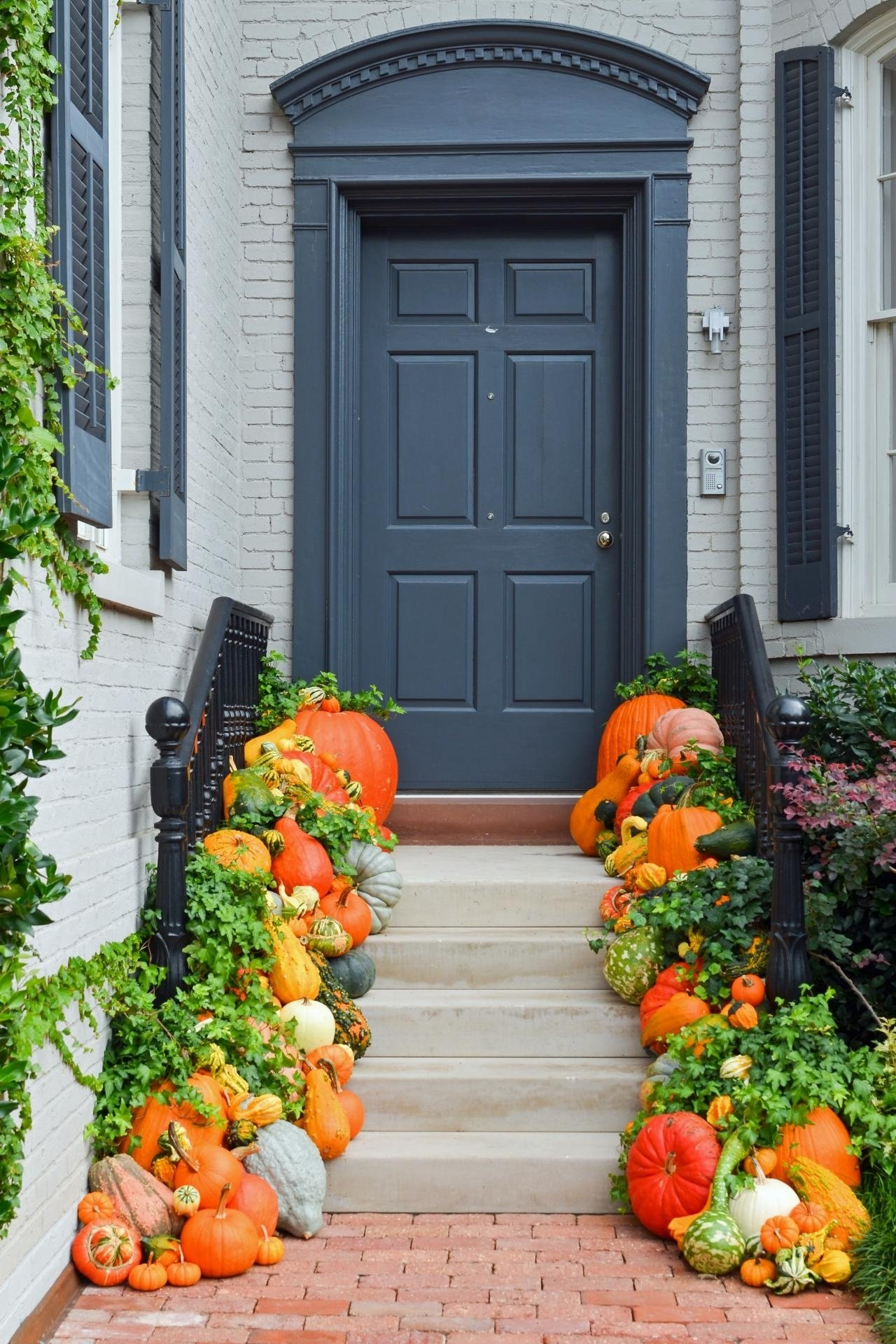 10 Awesome Fall Decorating Ideas For Outside find more fall decorating ideas get inspired for with these outdoor 2020