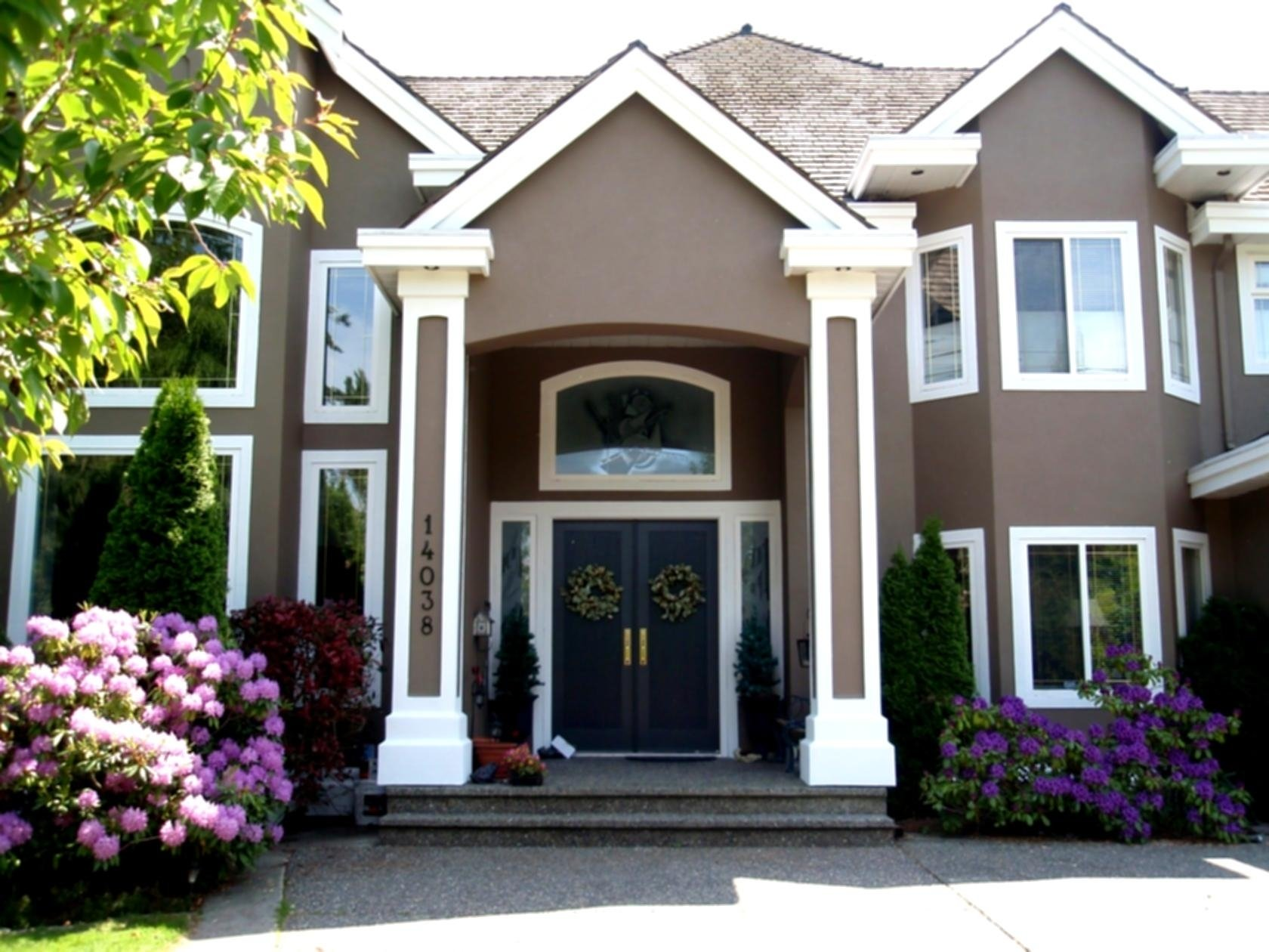 10 Fantastic Exterior Paint Ideas For Homes finest exterior paint ideas for homes pictures of exterior house 2021