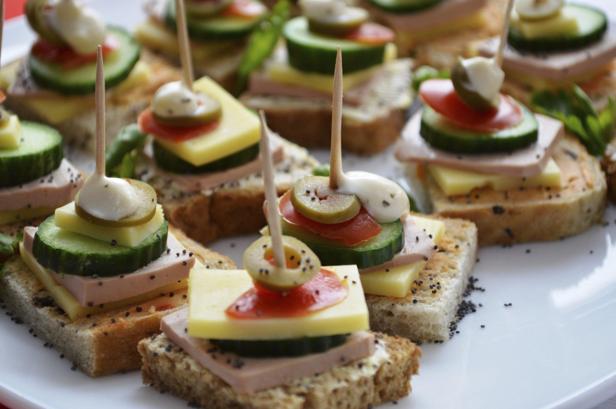 10 Perfect Wedding Reception Finger Food Ideas