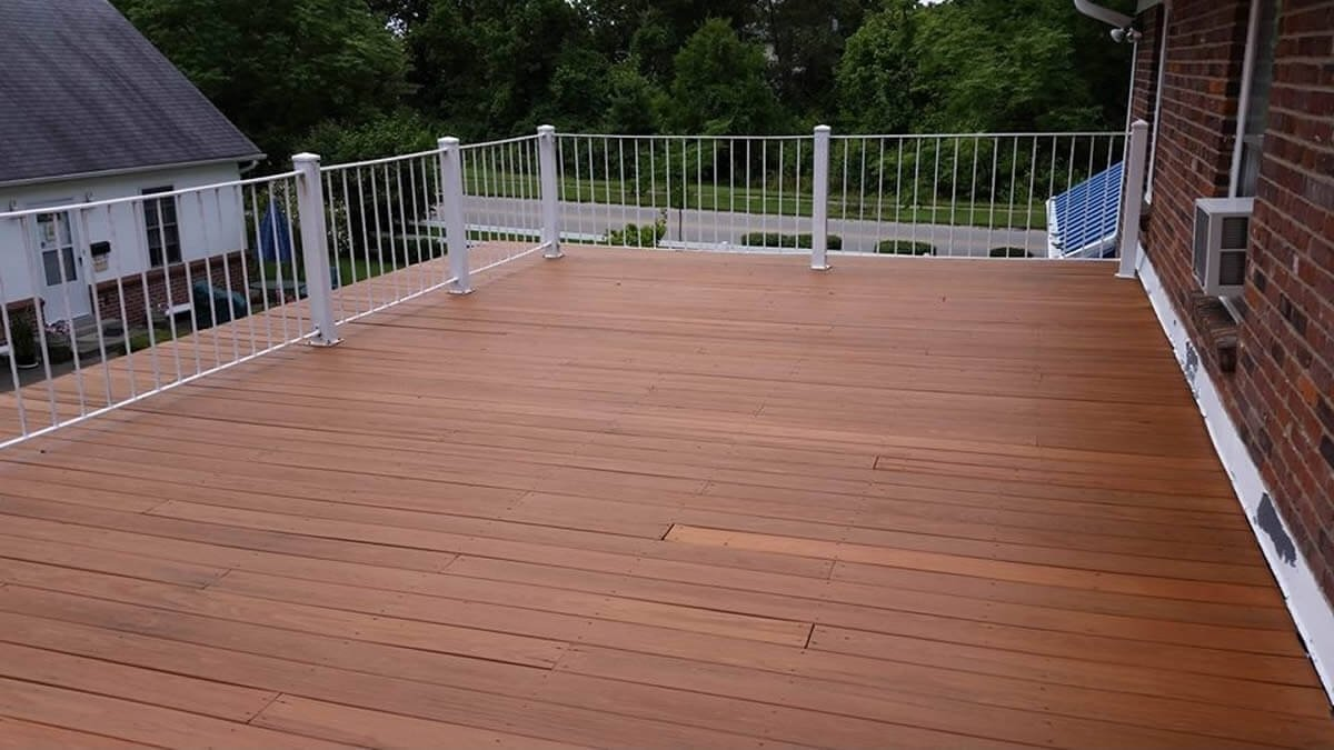 10 Spectacular Two Tone Deck Stain Ideas floor detail pictures two tone deck staining lexington ky design 2021