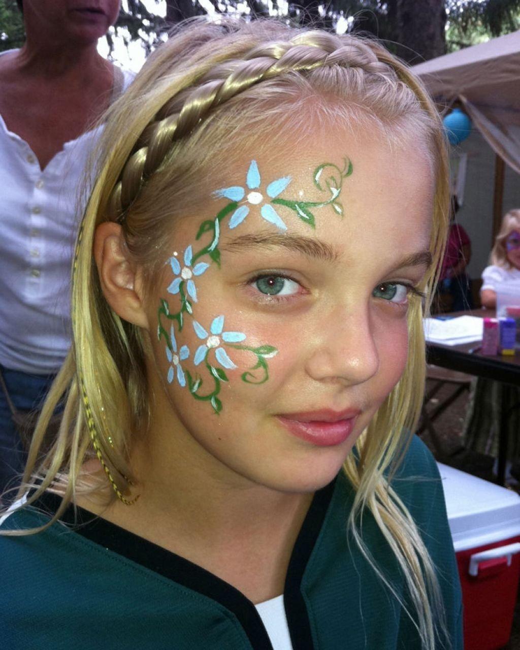 10 Lovely Face Paint Ideas For Girls flower face painting ideas face makeup ideas 1 2020