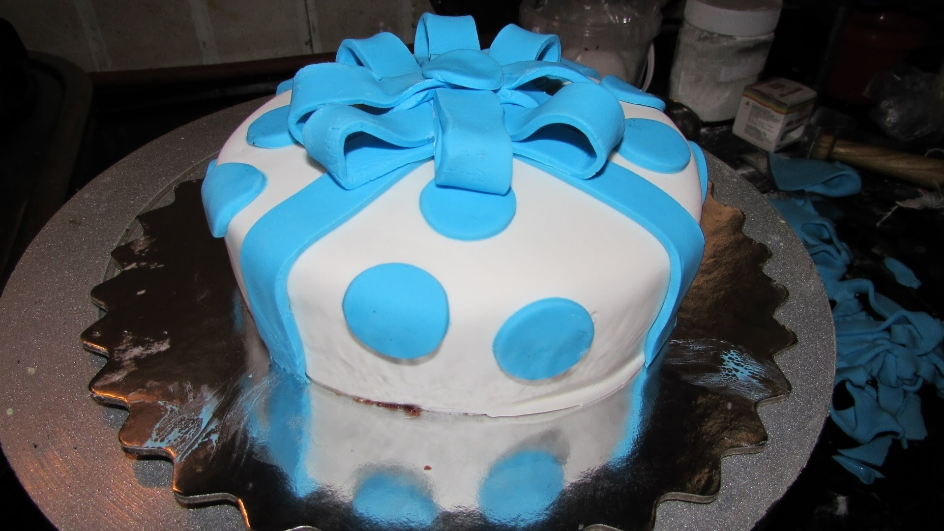 10 Famous Fondant Cake Ideas For Beginners fondant recipe how to make fondant cake simple easy fondant