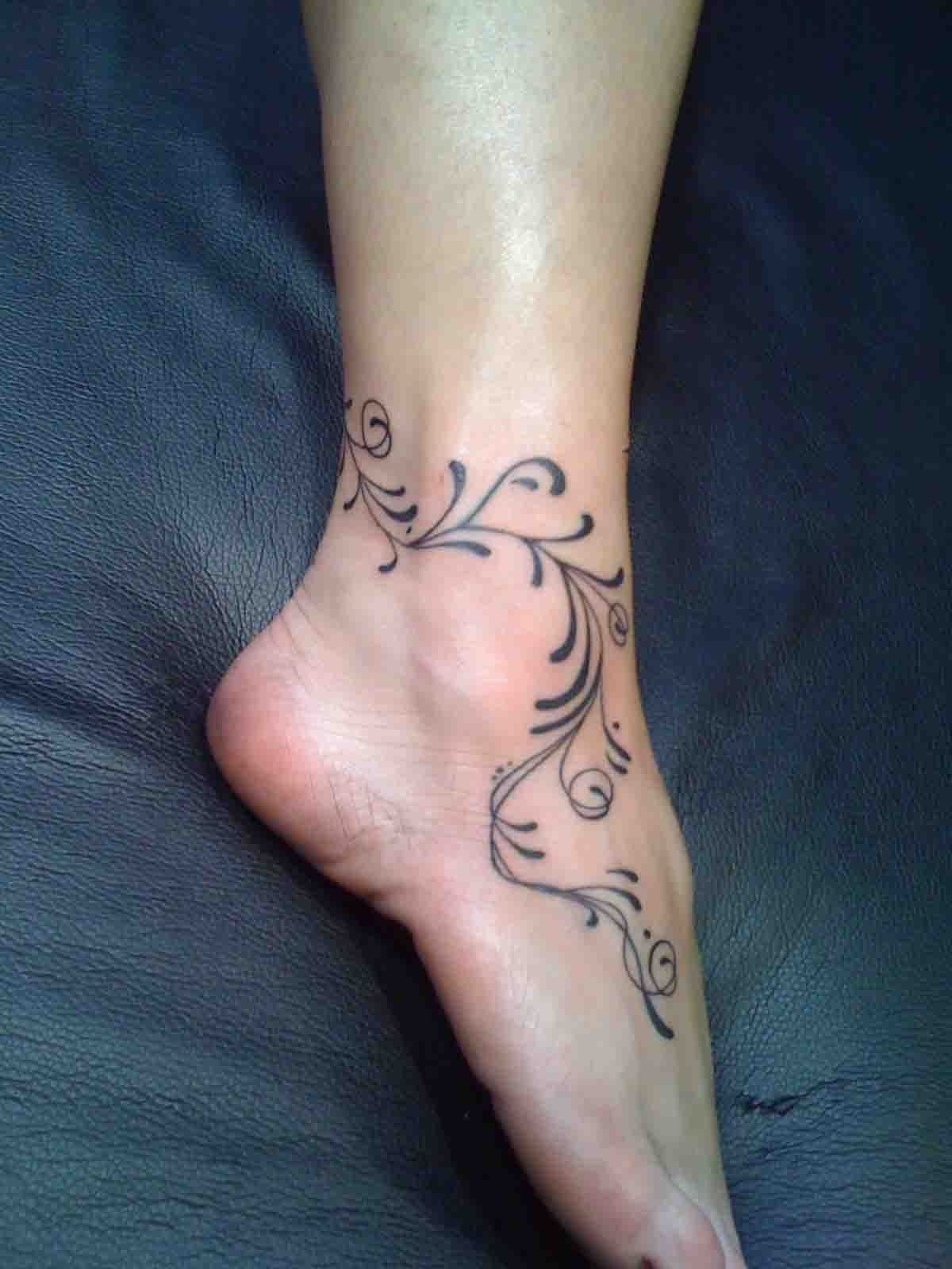 10 Attractive Tattoo Ideas For Womens Feet foot tattoo designs for women crazy tattoo designs foot tattoos 1