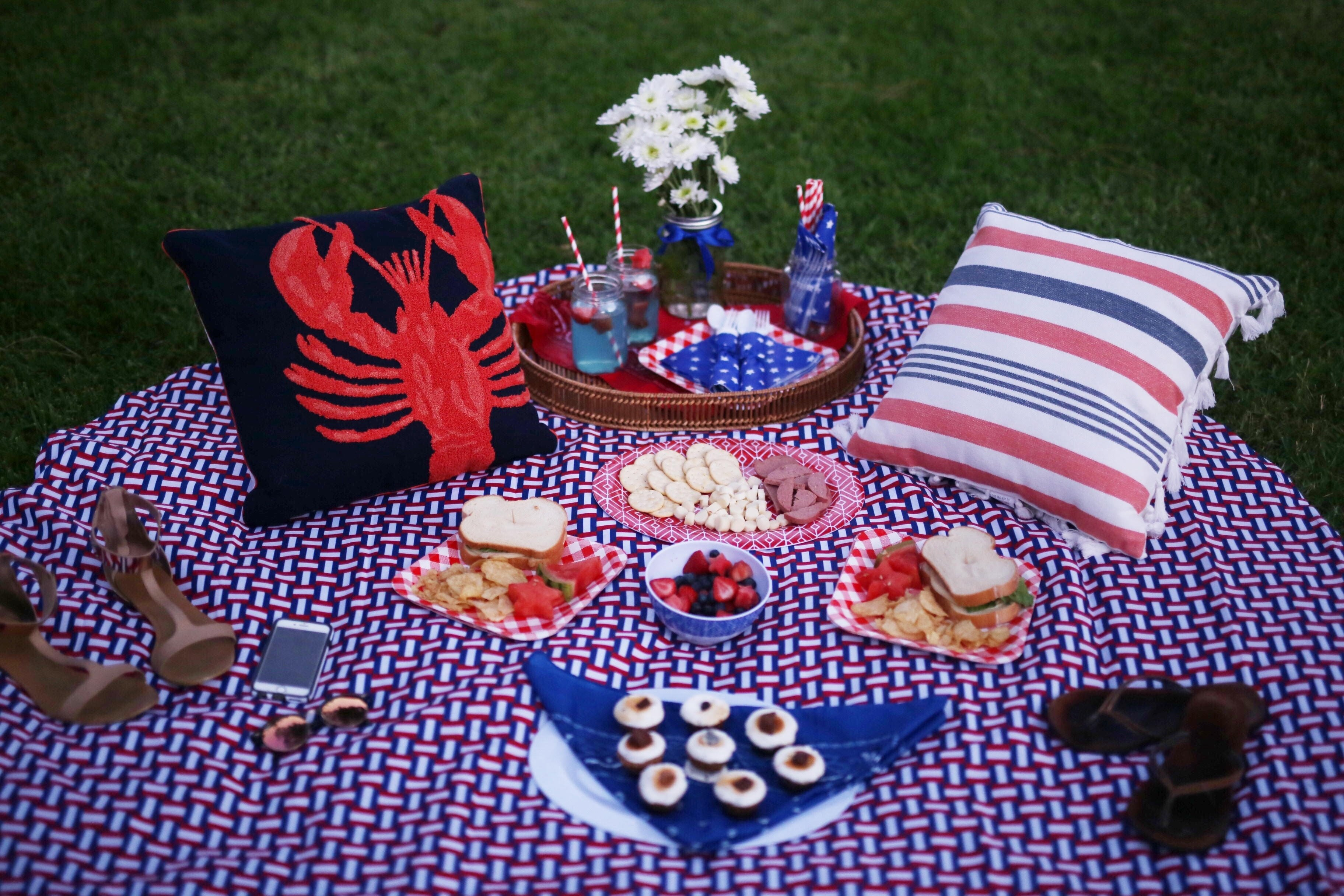10 Perfect Fourth Of July Picnic Ideas fourth of july diy picnic ideas 2016 style me samira2 style me 2021