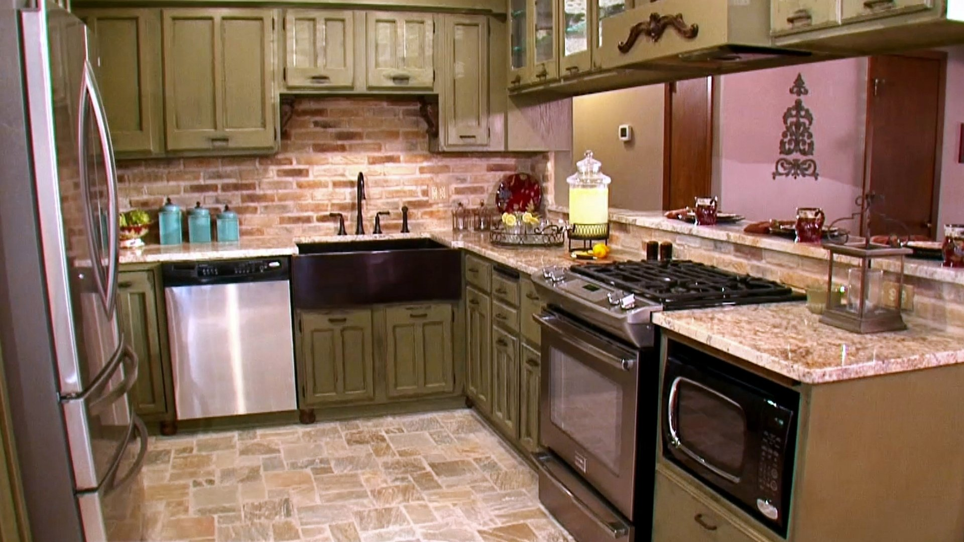 10 Fashionable French Country Kitchen Decorating Ideas french country kitchens and more hgtv 2020