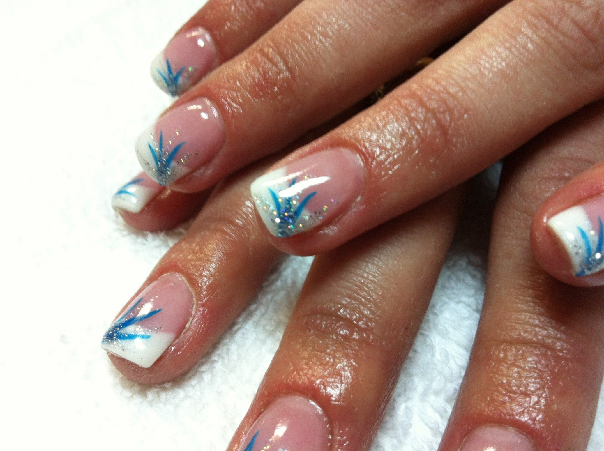10 Awesome French Tip Nail Design Ideas french tip gel nail designs simple nail design ideas 38831