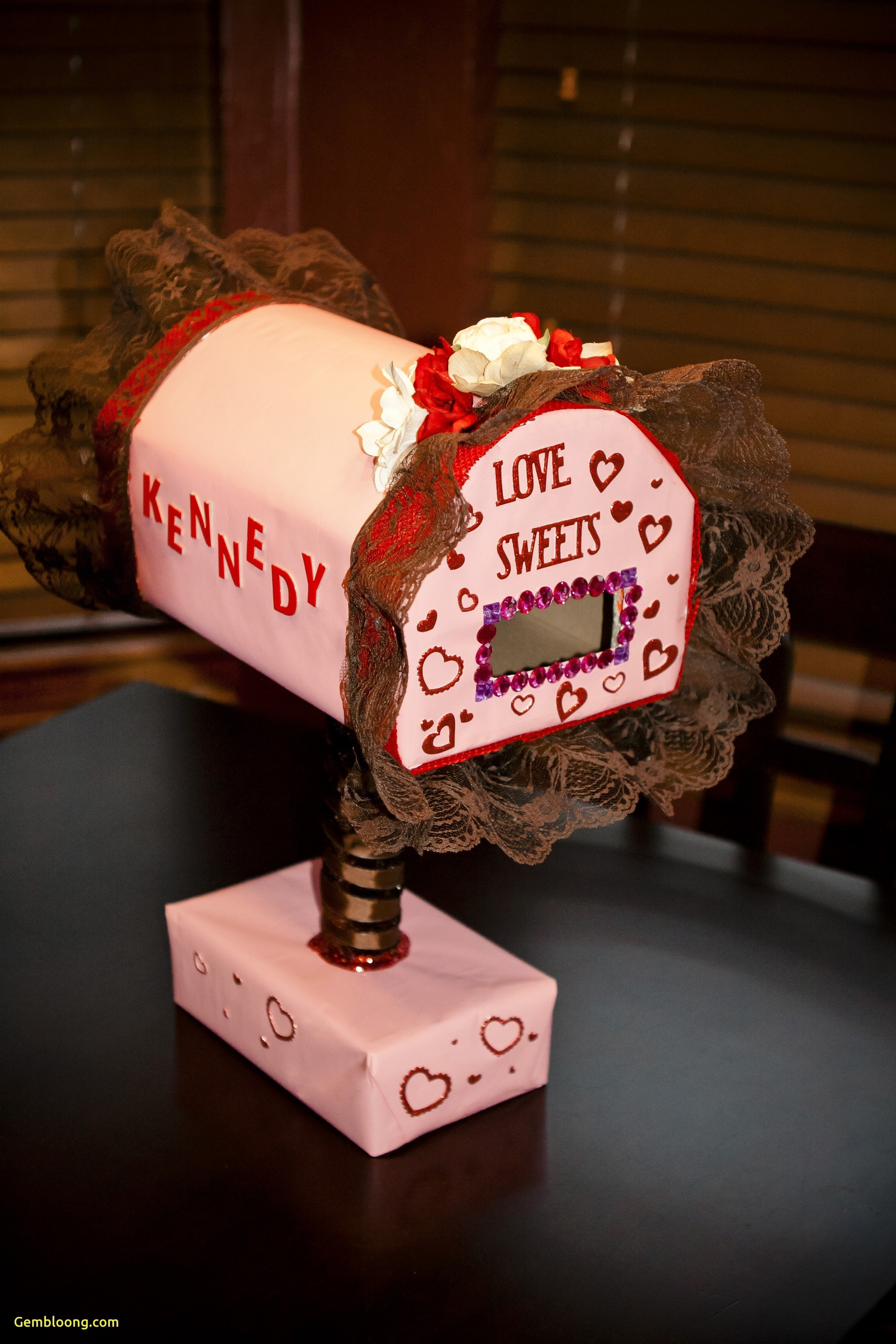 10 Gorgeous Valentine Box Ideas For Girls