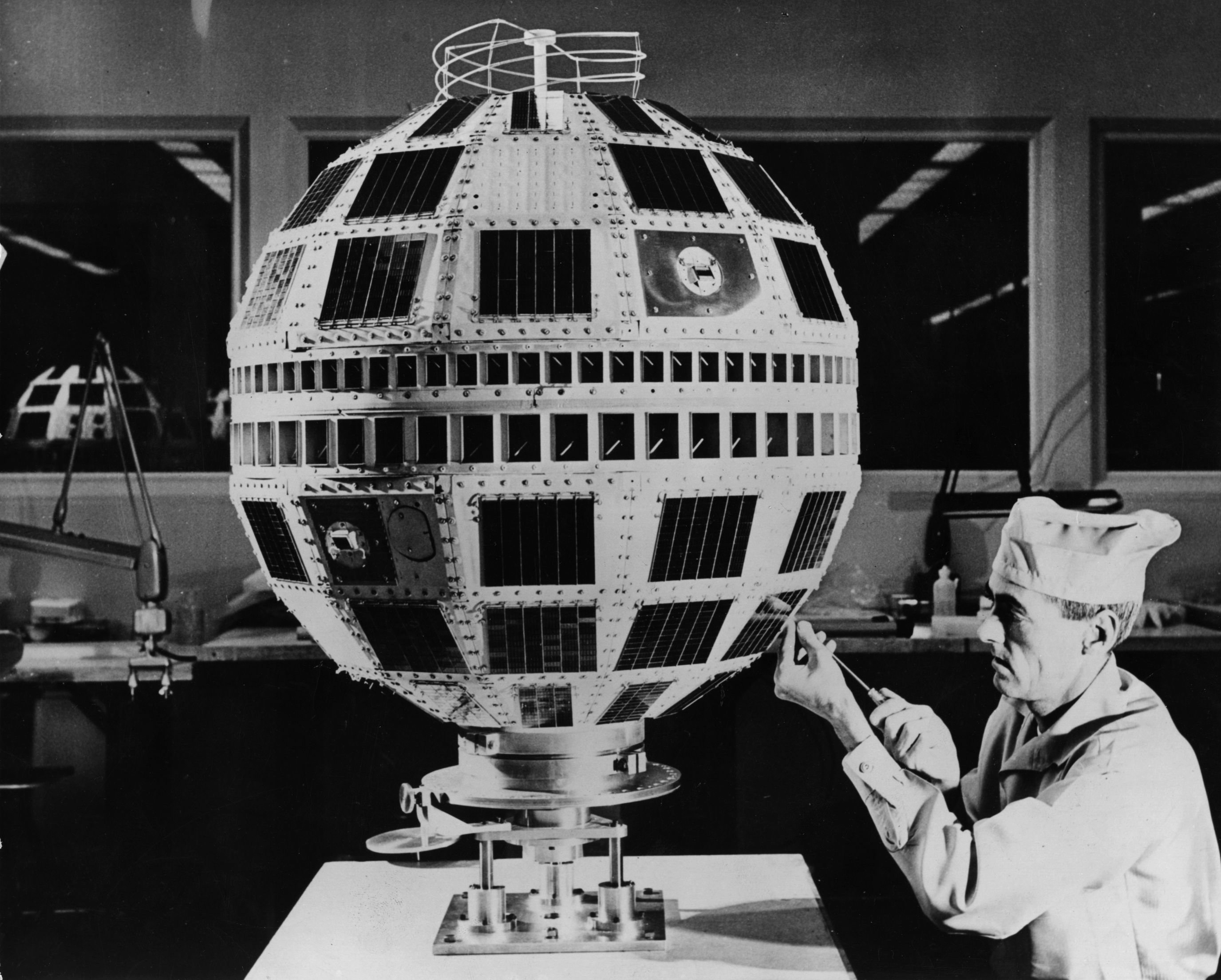 from transistors to telstar, idea factory traces bell labs' legacy