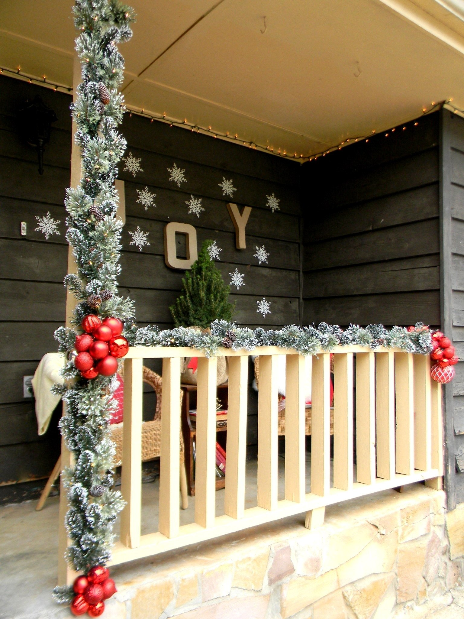 front porch christmas decorating ideas: country christmas