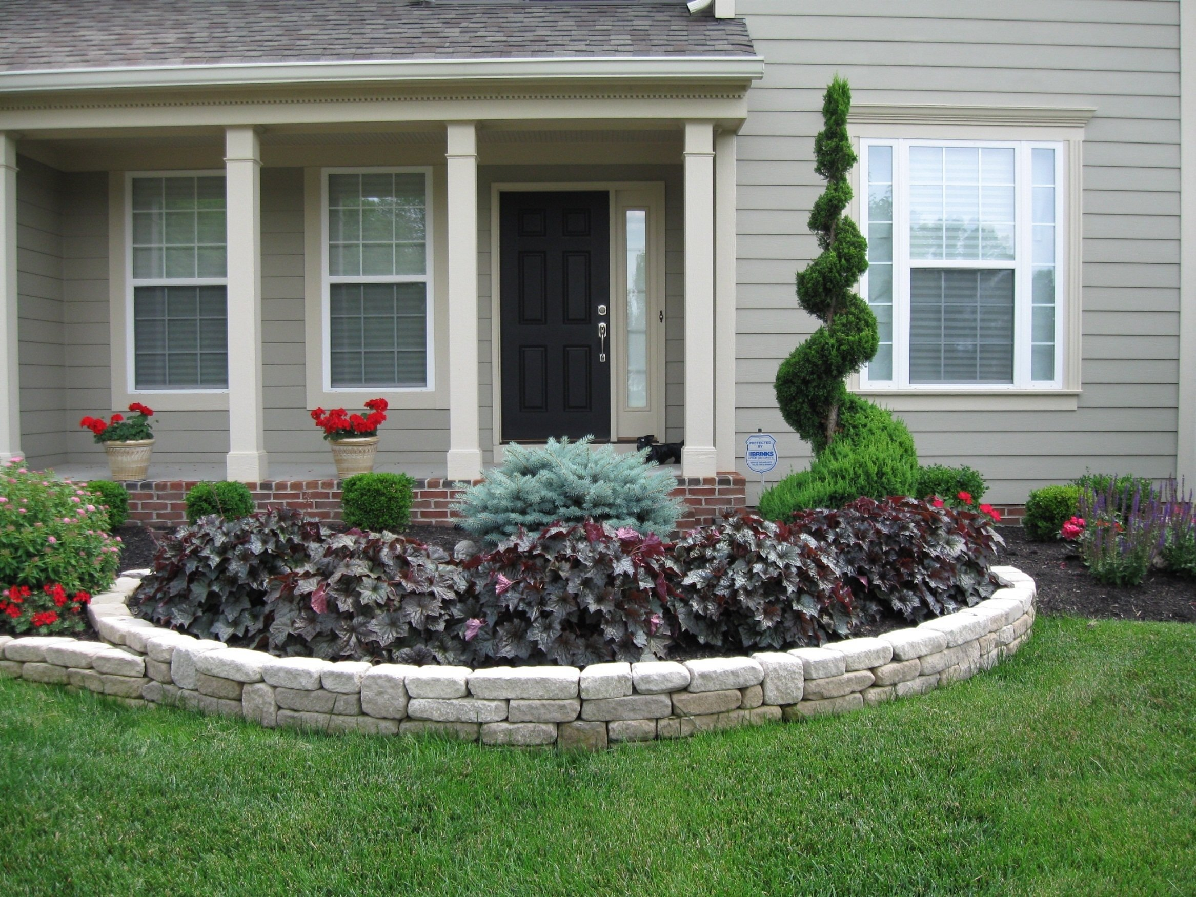 10 Lovable Flower Bed Ideas For Front Of House front yard flower bed ideas the best flowers attractive landscape 1 2021