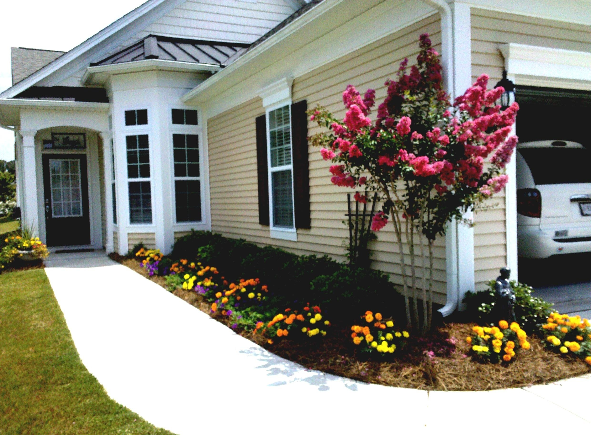 10 Stylish Simple Front Yard Landscaping Ideas On A Budget front yard ideas on a budget amys office