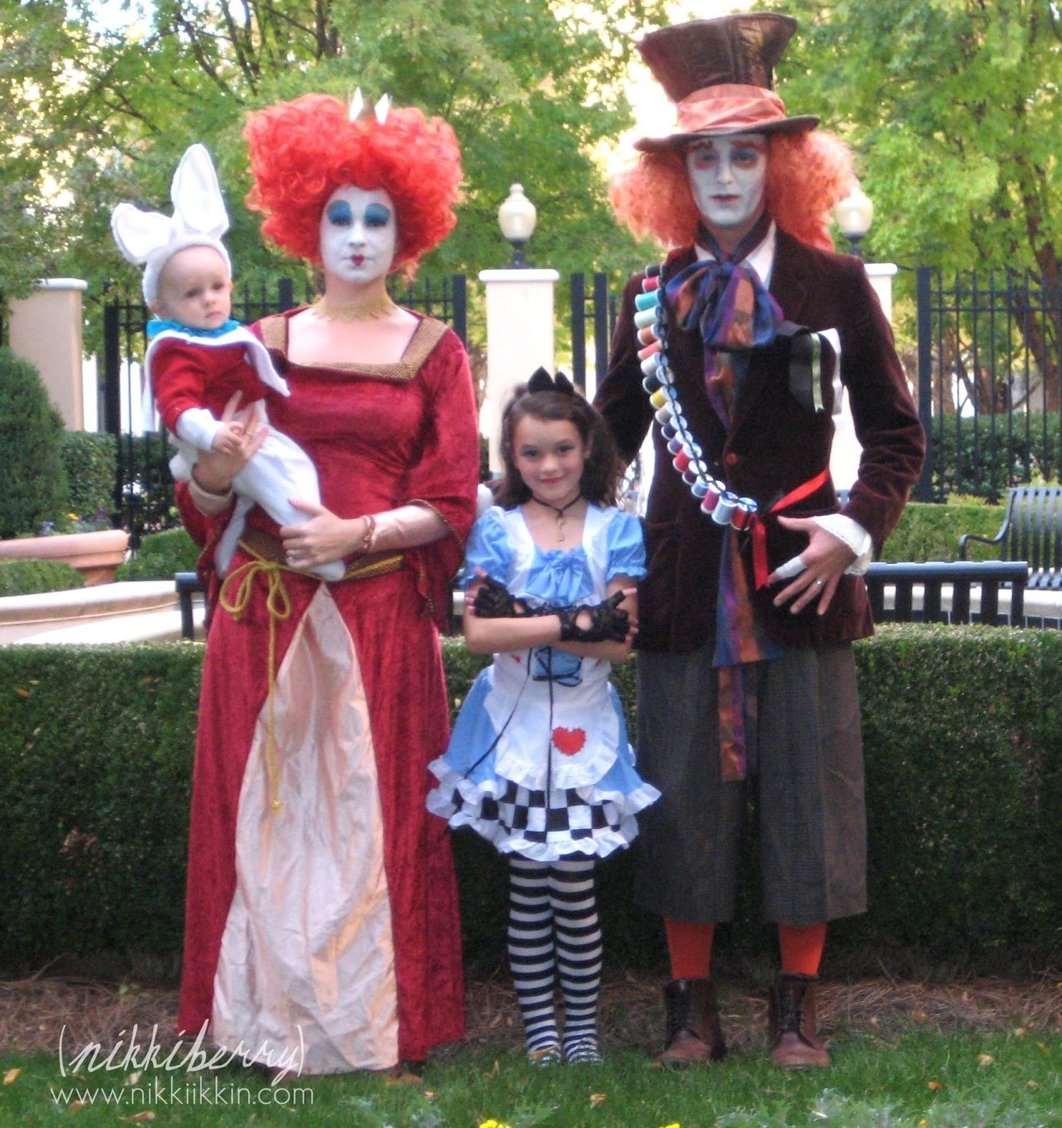 10 Fashionable Family Of Four Halloween Costume Ideas ftmd top ten tuesday family themed halloween costumes  sc 1 st  Unique Ideas 2018 & 10 Fashionable Family Of Four Halloween Costume Ideas