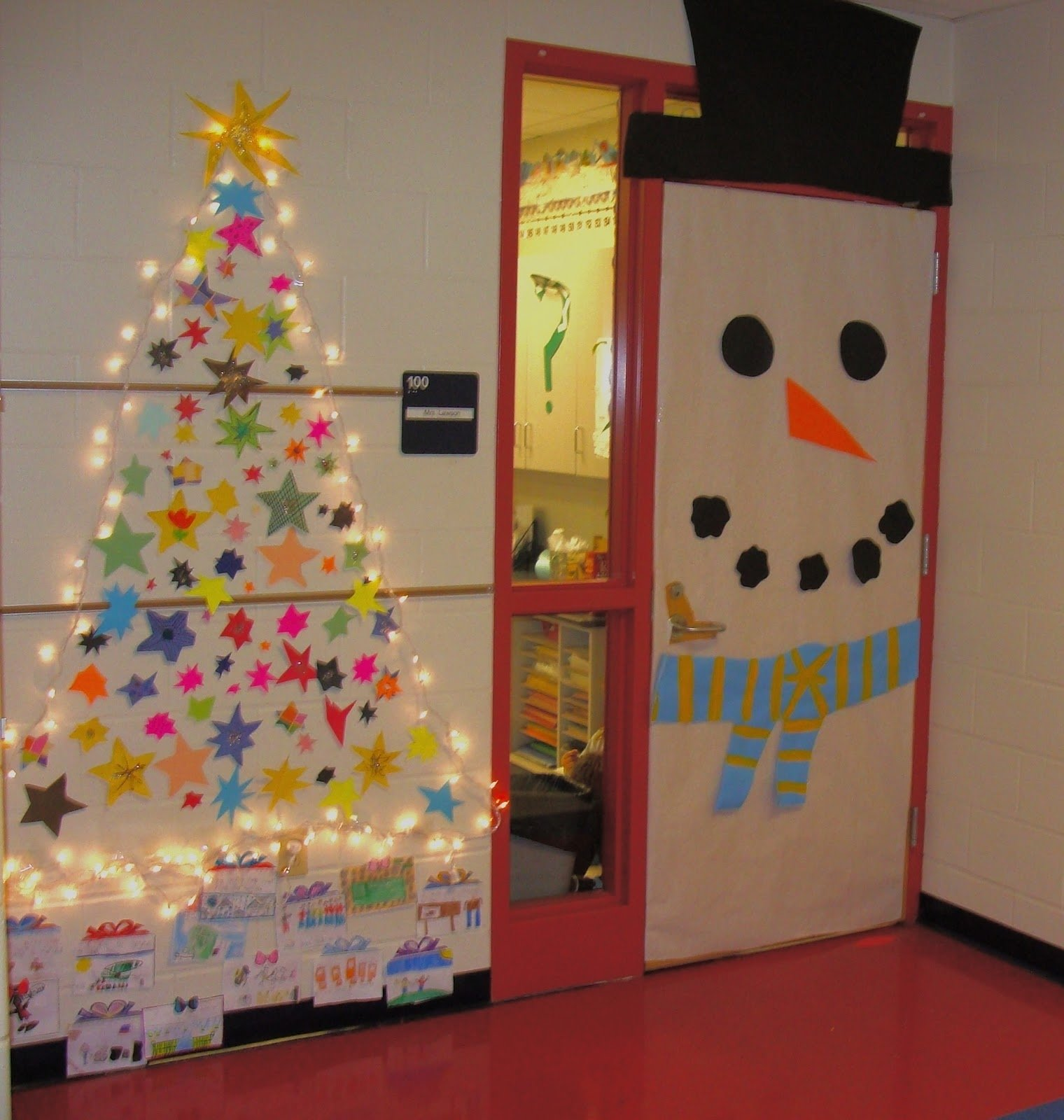 10 Stunning Door Decorating Ideas For Christmas fun steps office door christmas decorating ideas averycheerva com 2
