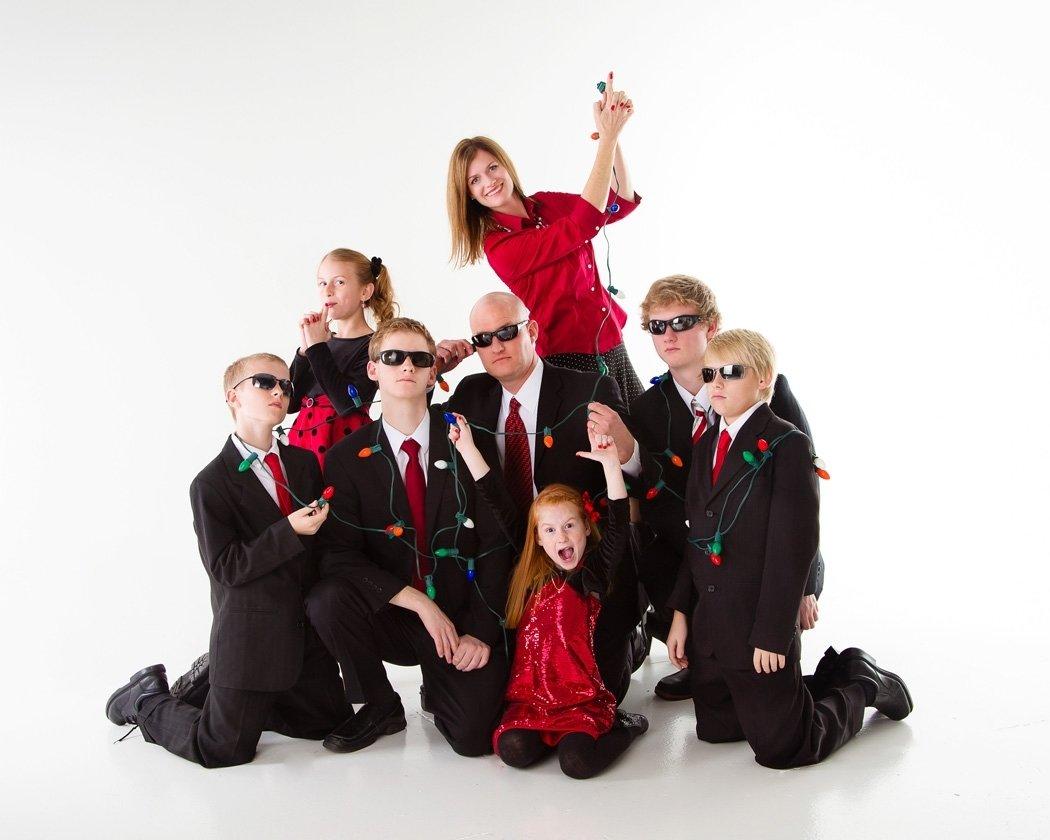 10 Fabulous Unique Family Christmas Photo Ideas funny family christmas card secret agent family photo christmas 4