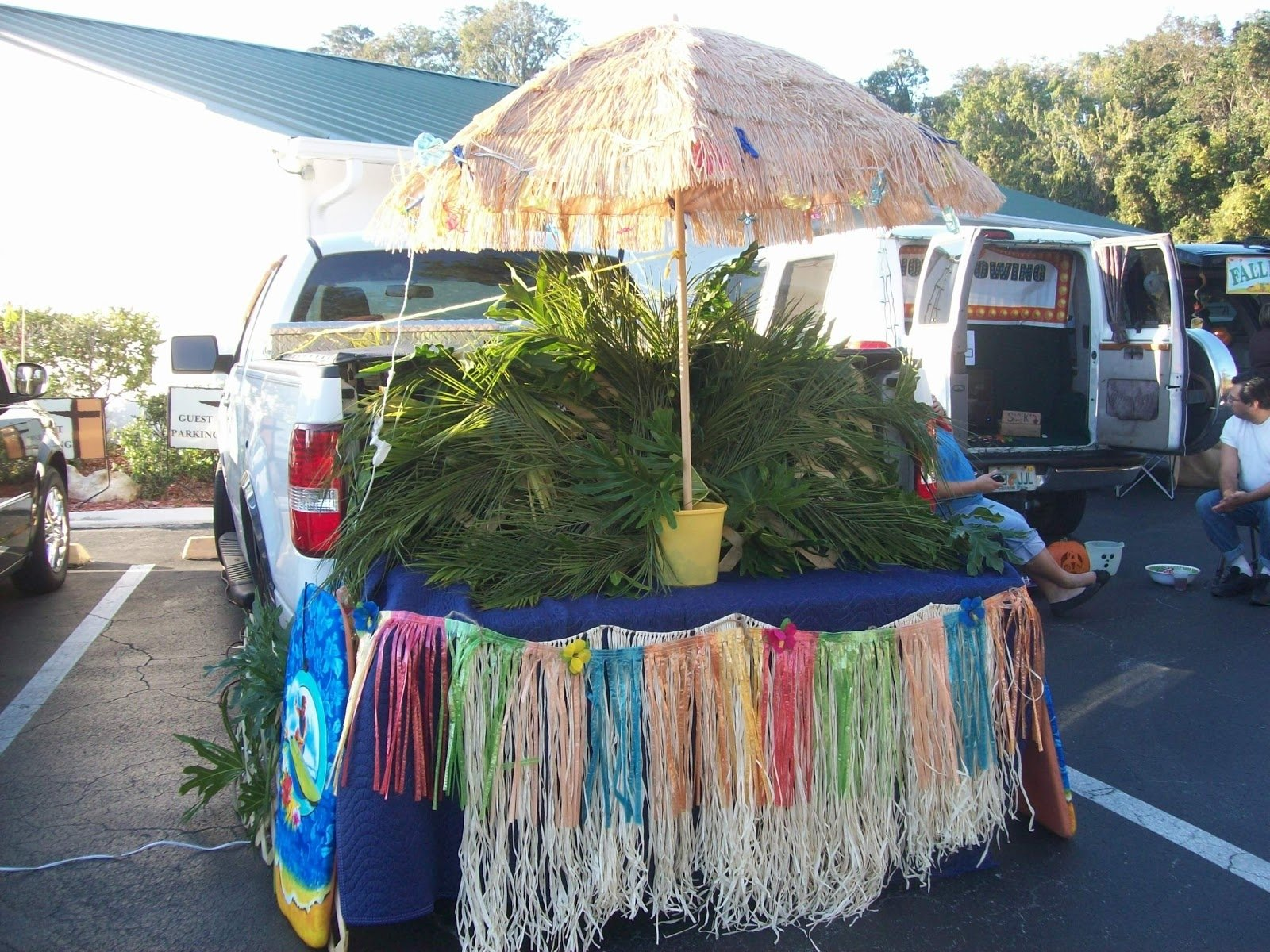 10 Awesome Trunk Or Treat Ideas For Trucks future non scary trunk or treat ideas 1