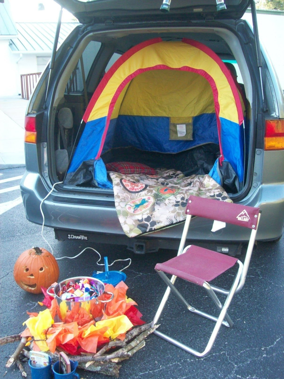 10 Unique Ideas For Trunk Or Treat At Church future non scary trunk or treat ideas 3