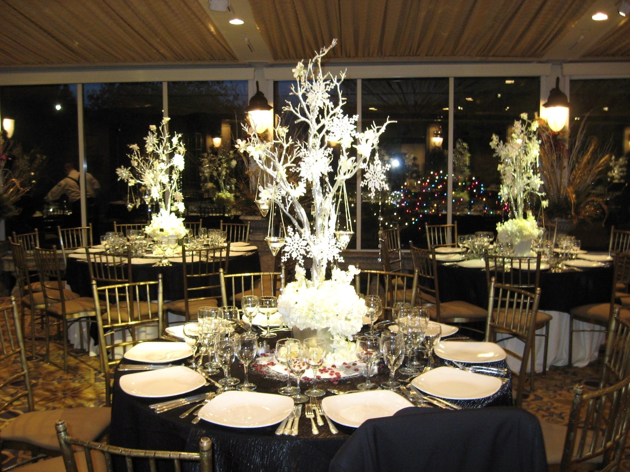 10 Lovable Ideas For Wedding Centerpieces On A Budget gallery of tips in wedding centerpieces on a budget margusriga baby 2021