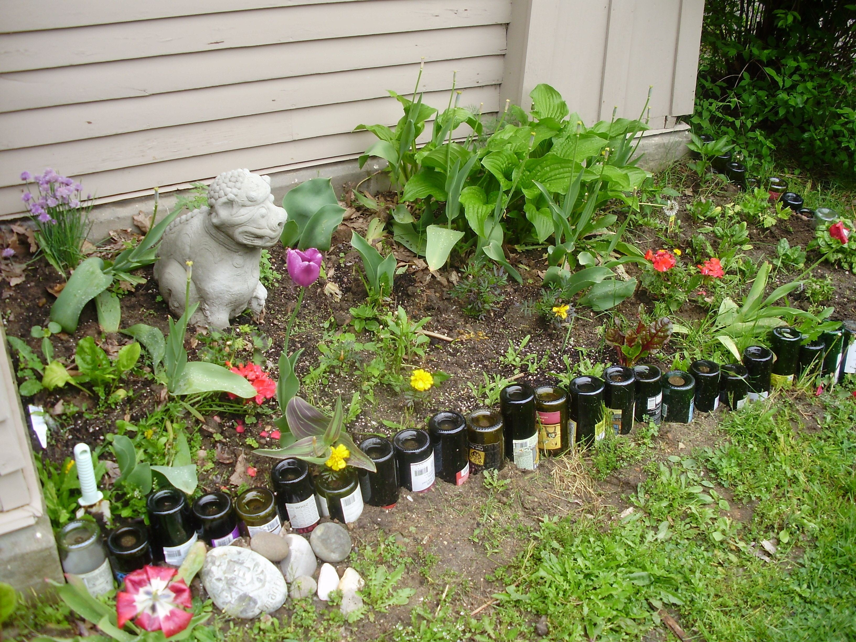 10 Lovable Cheap Flower Bed Edging Ideas