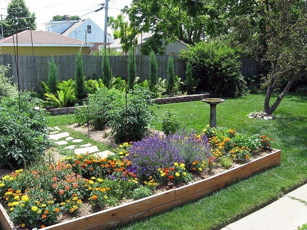 10 Stylish Landscape Ideas For Small Yards garden ideas backyard landscaping ideas for small yards small 1
