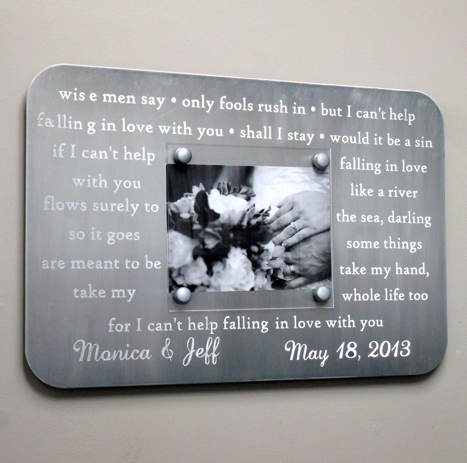 10 Wedding Anniversary Gift Ideas: Best 10th Wedding Anniversary Gifts For Her