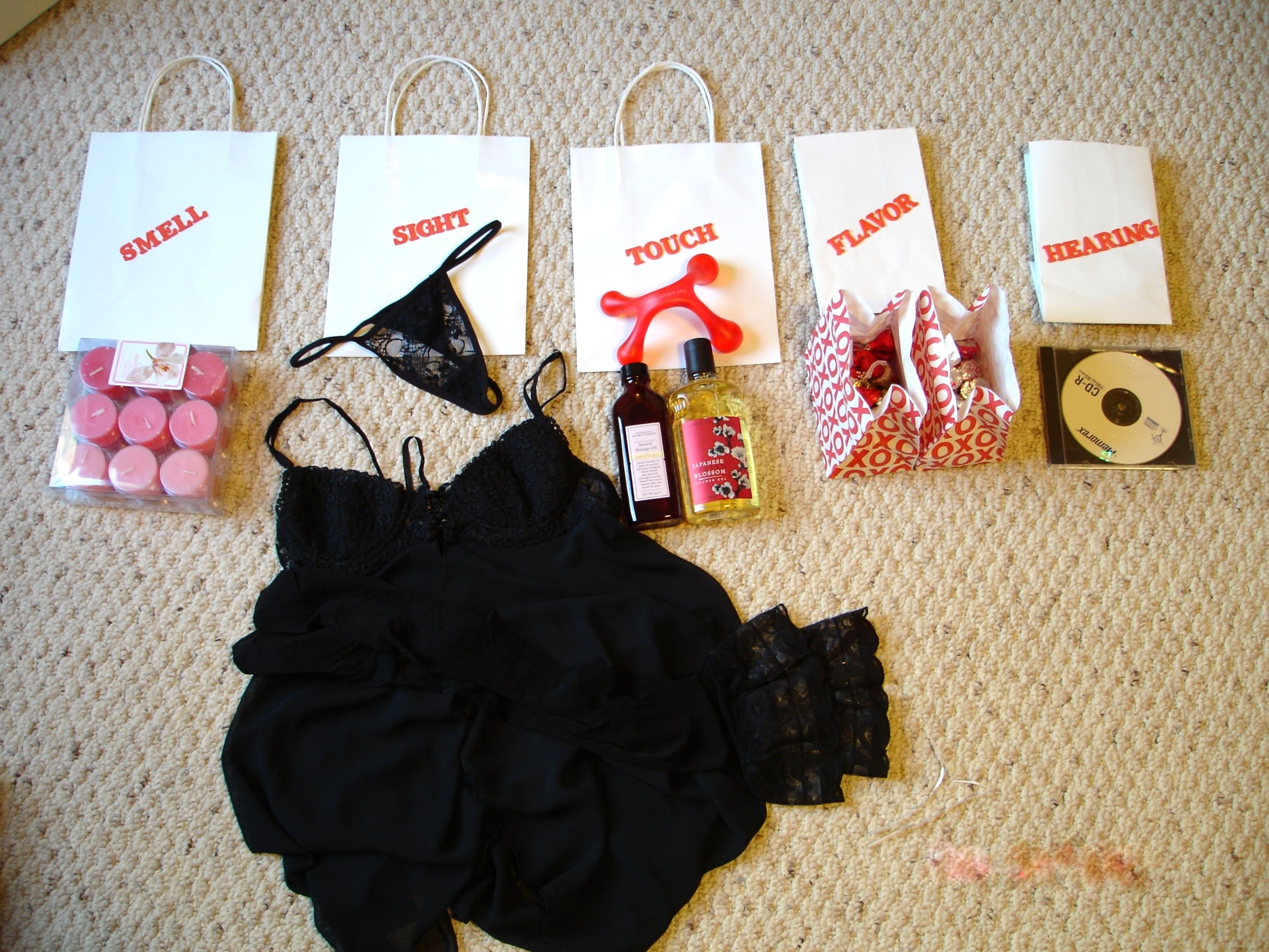 10 Attractive Romantic Christmas Gift Ideas For Her