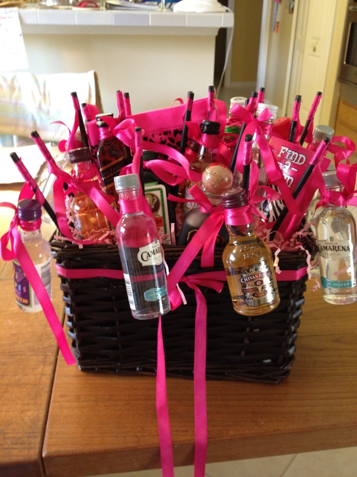 10 Unique 21St Birthday Gift Ideas For Her Boyfriend Basket