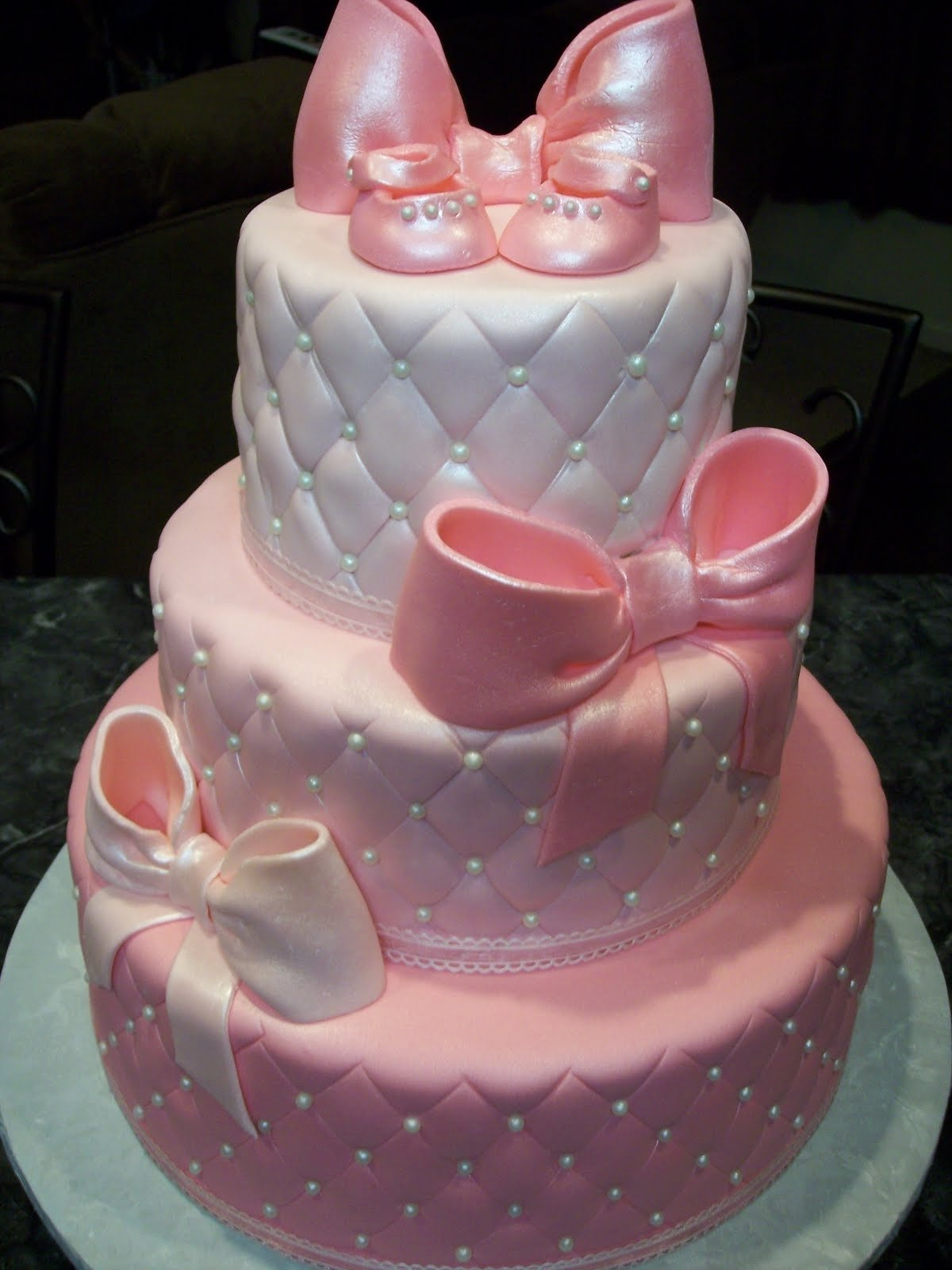 10 Wonderful Ideas For Baby Shower Cakes girl baby shower cakes and cupcakes ideas baby cake imagesbaby 1