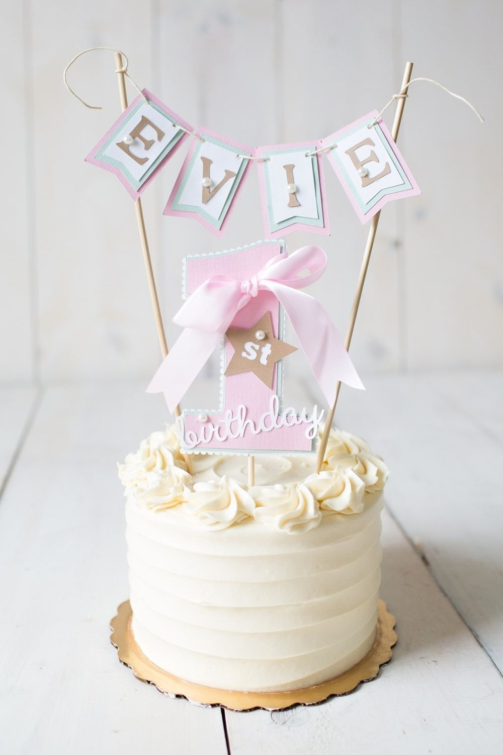 10 Beautiful 1St Birthday Cake Ideas For Girl girl first birthday first birthday decorations 1st birthday cake 2020