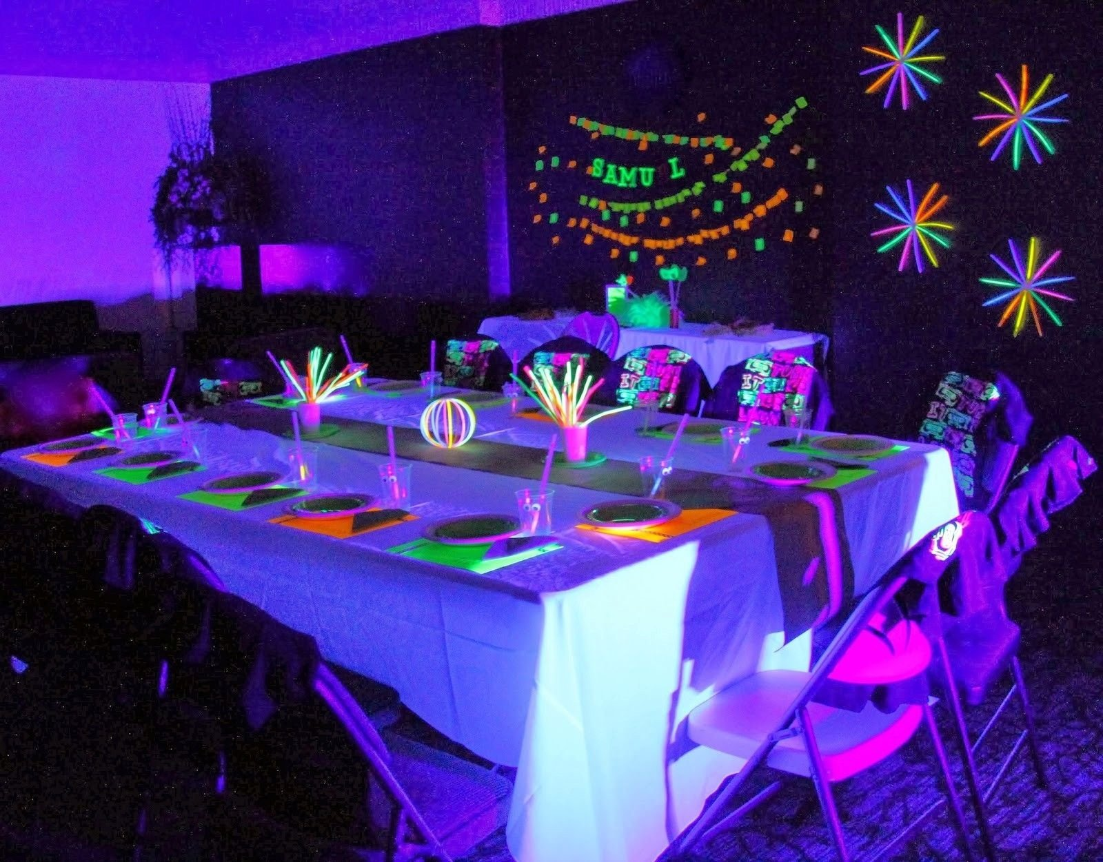 10 Elegant Glow In Dark Party Ideas glow in the dark party ideas for teenagers 1600x1251 cam 2020