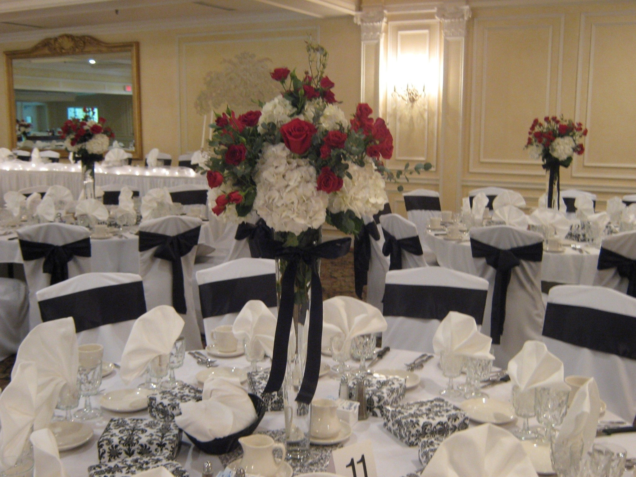 10 Unique Wedding Flowers And Reception Ideas gorgeous unique wedding reception ideas on a budget decor 50th 2 2020