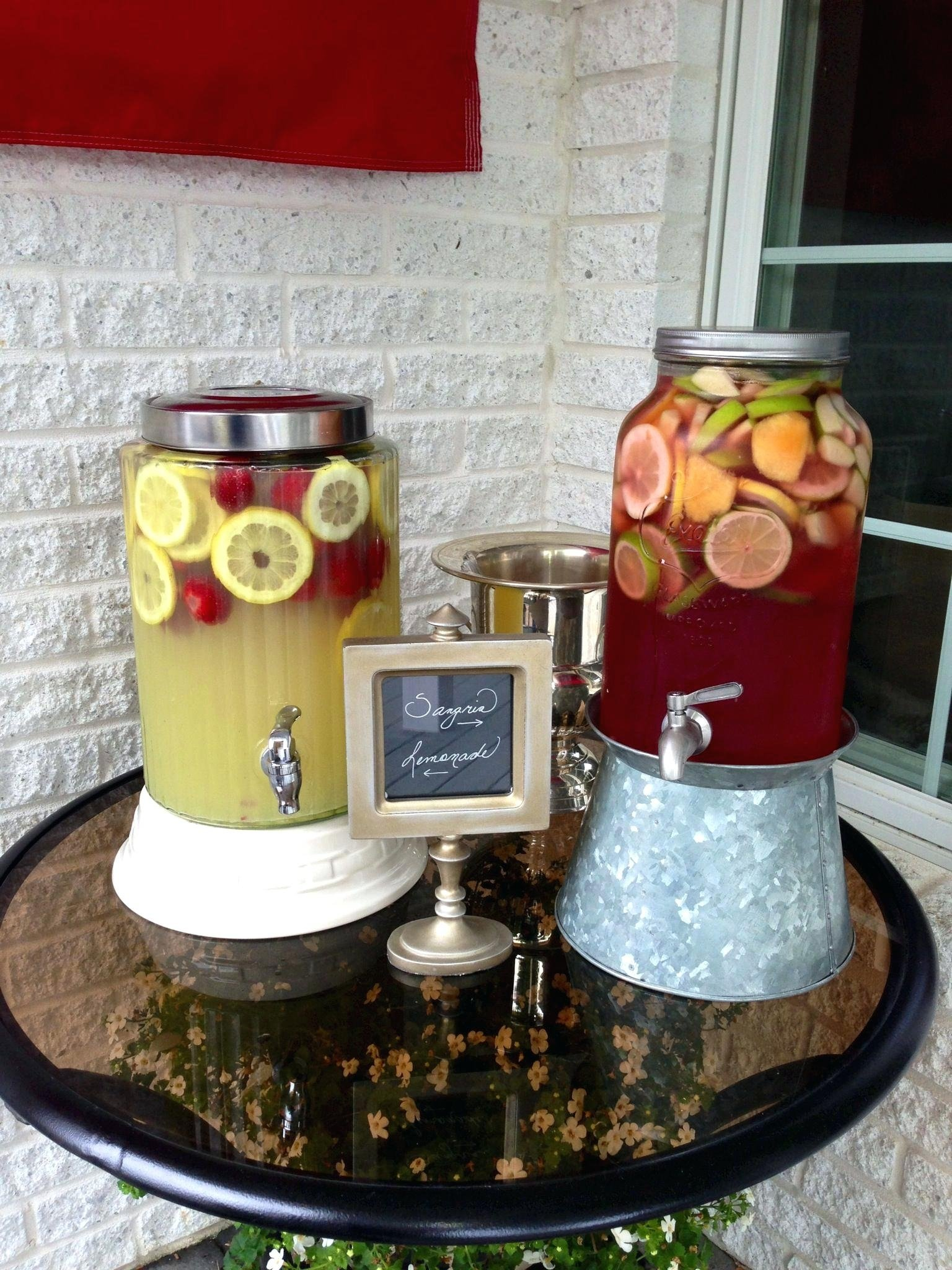10 Awesome Graduation Party Ideas For Guys grad party ideas graduation for college guys 2016 high school grads 1 2021