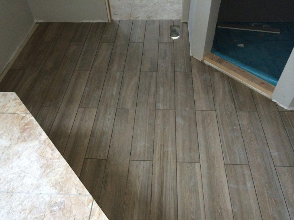 10 Wonderful Small Bathroom Tile Floor Ideas great bathroom floor tile ideas for small bathrooms awesome designs 2020