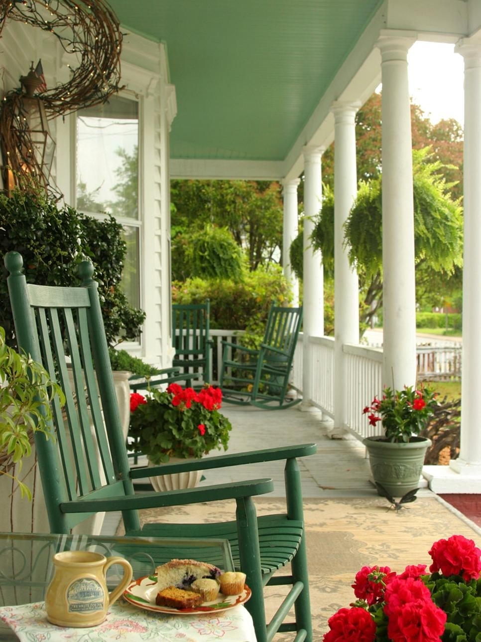 10 Cute Fall Front Porch Decorating Ideas %name 2020