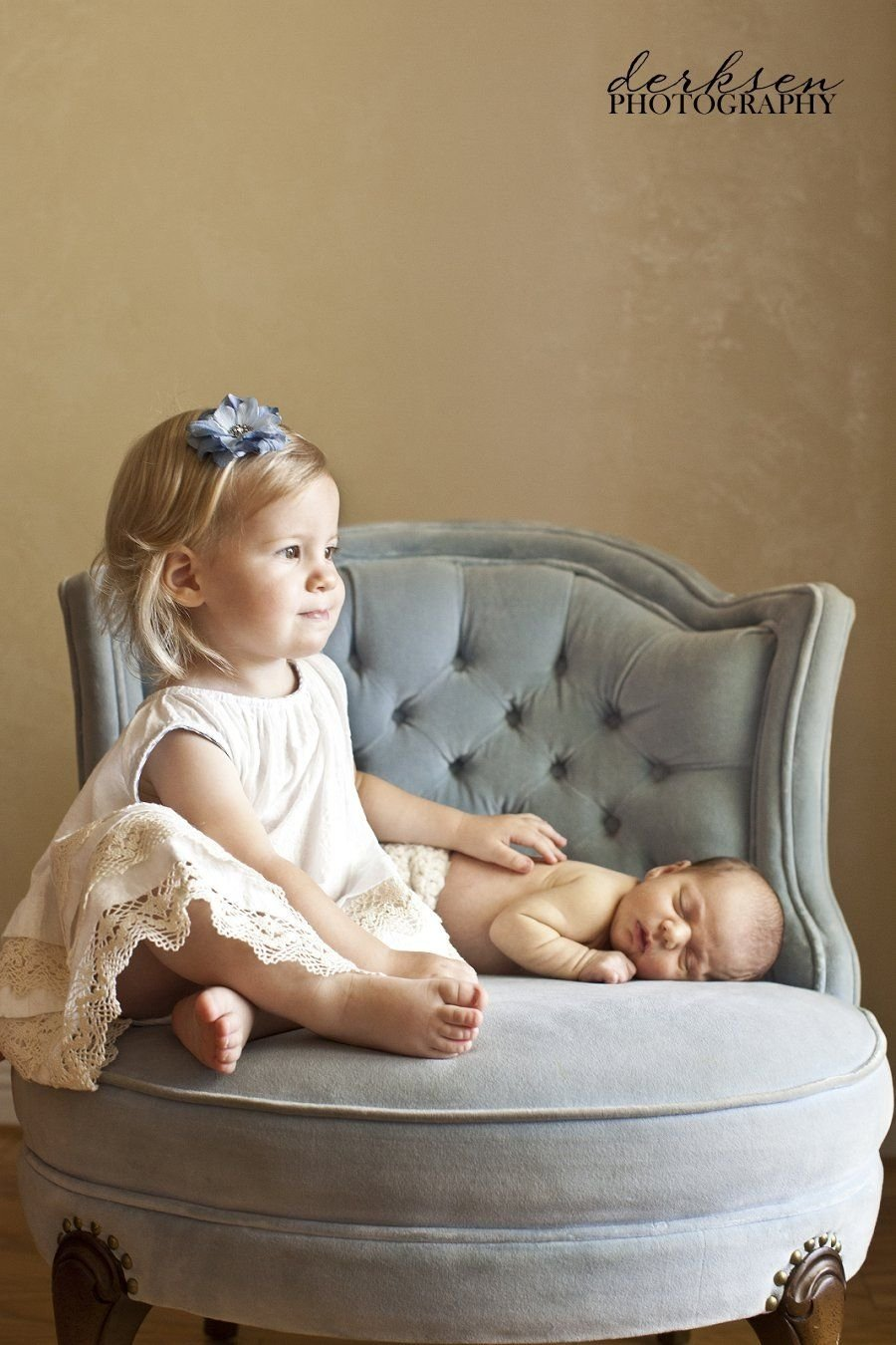 10 Stylish Newborn Photo Ideas With Siblings great sibling pose when older sibling isnt old enough to hold the 1