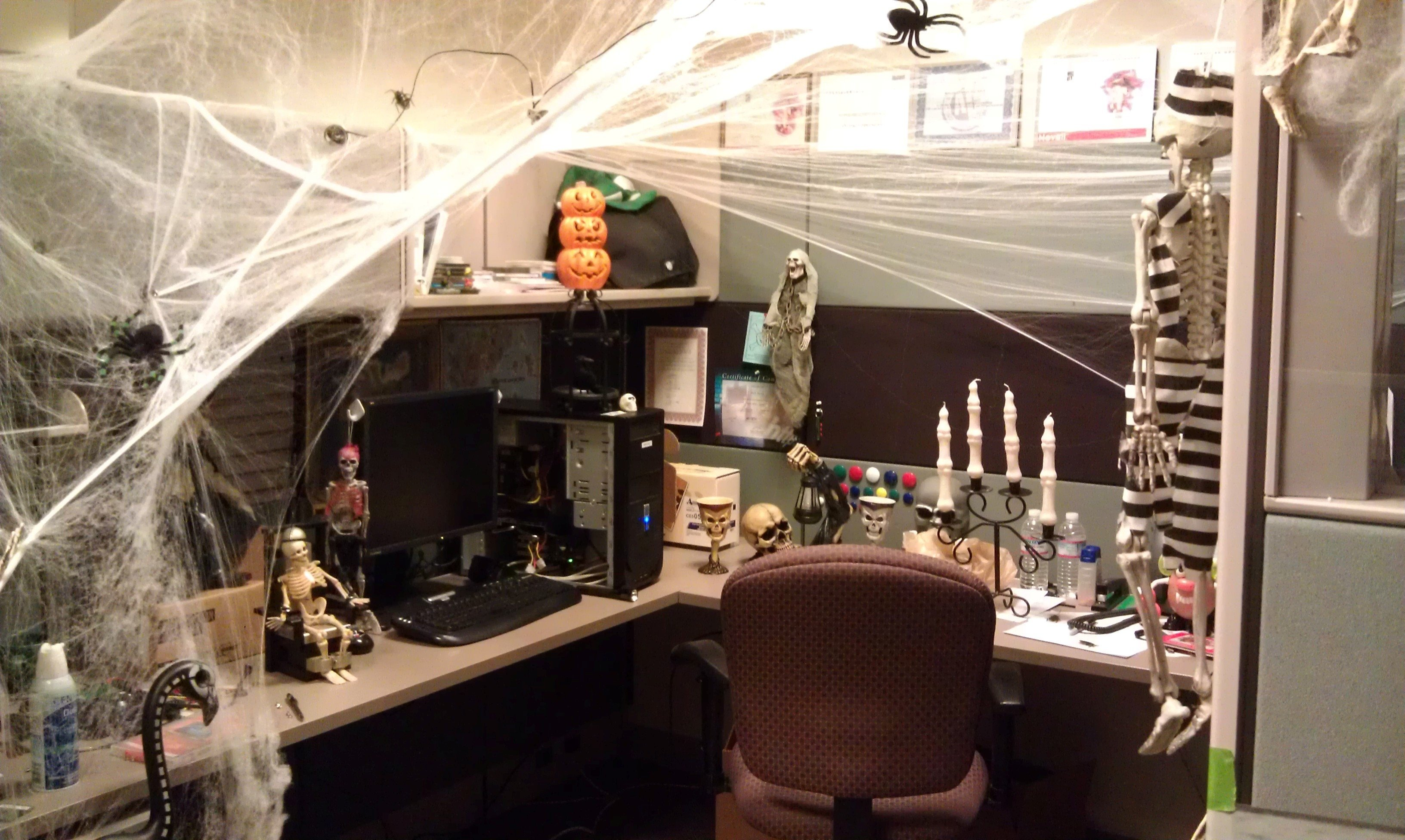 10 Amazing Halloween Decorating Ideas For The Office 2019