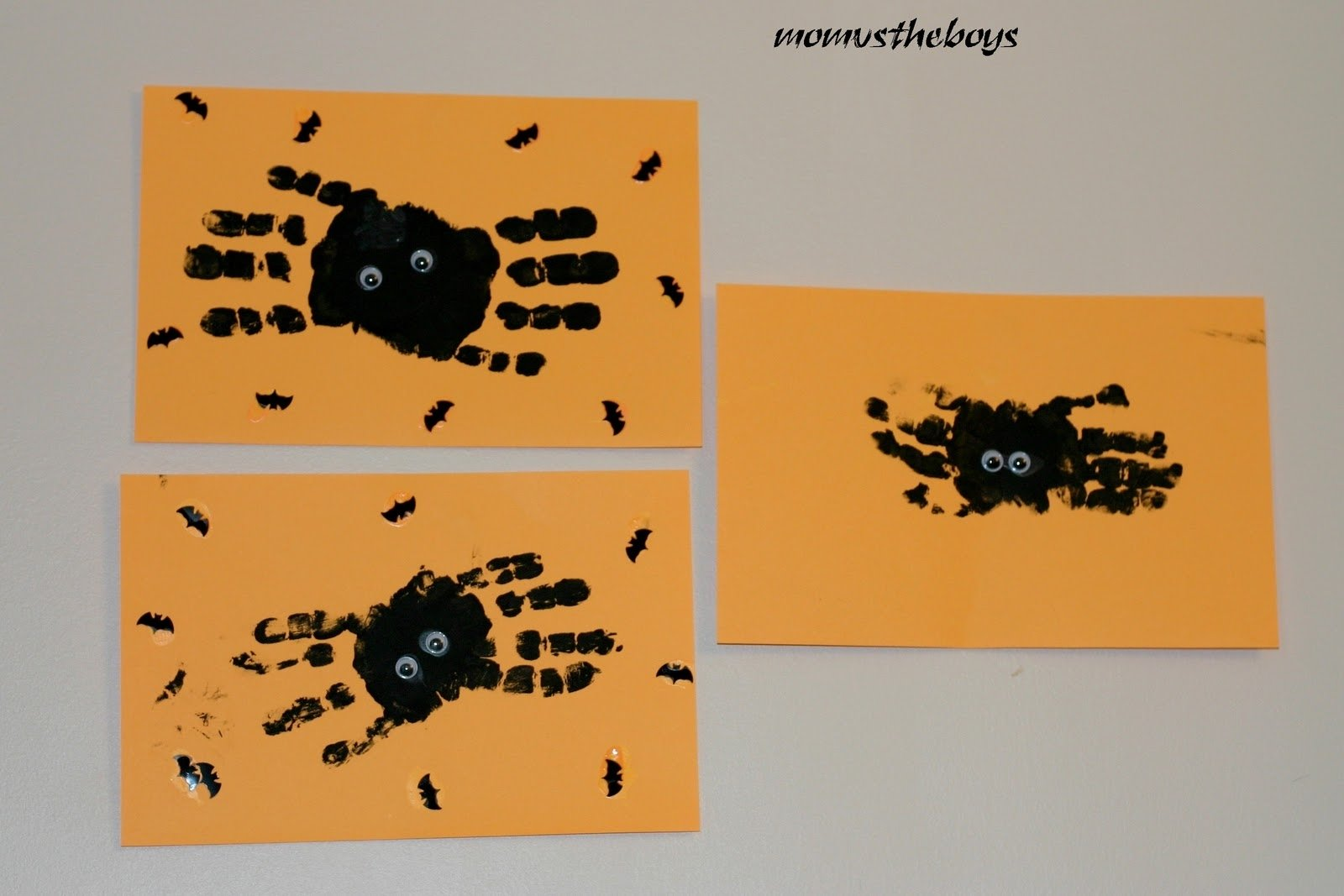 halloween handprint spider craft for toddlers and preschoolers