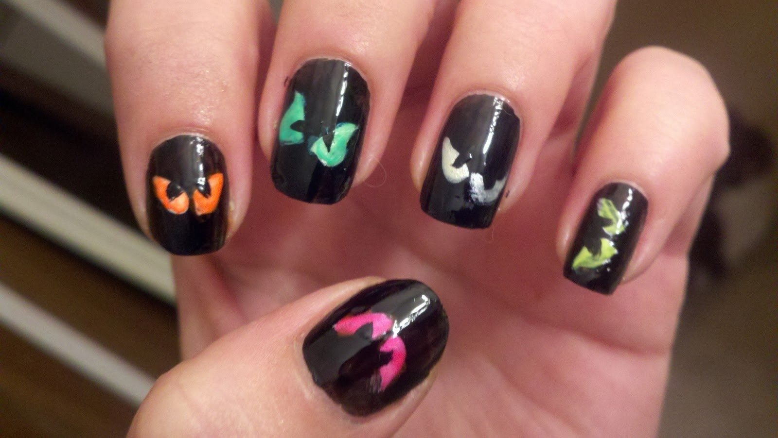 10 Lovable Easy Halloween Nail Art Ideas halloween nail art designs acrylic nail designs 2020