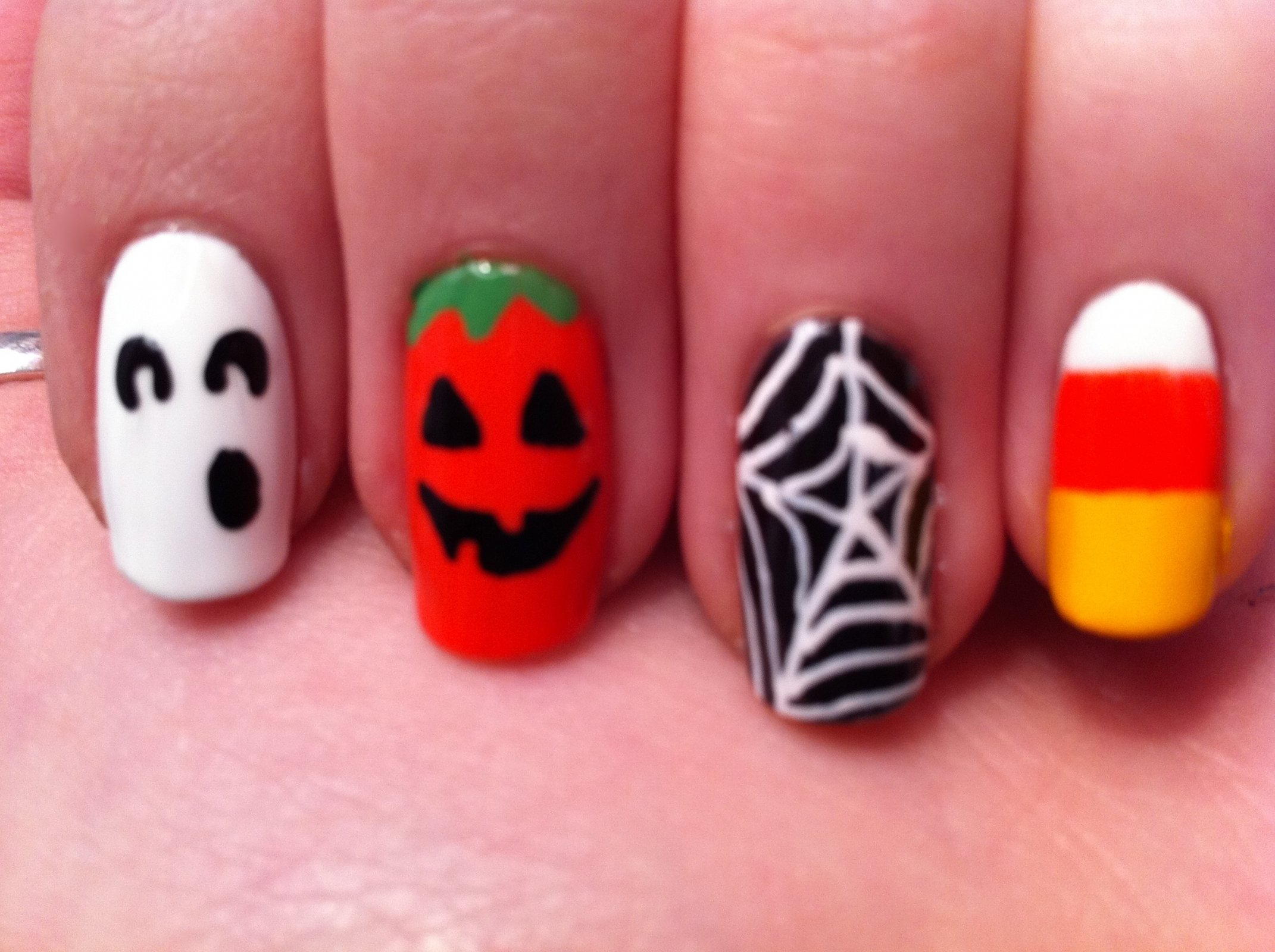 10 Lovable Easy Halloween Nail Art Ideas halloween nail designs easy how you can do it at home pictures 2020