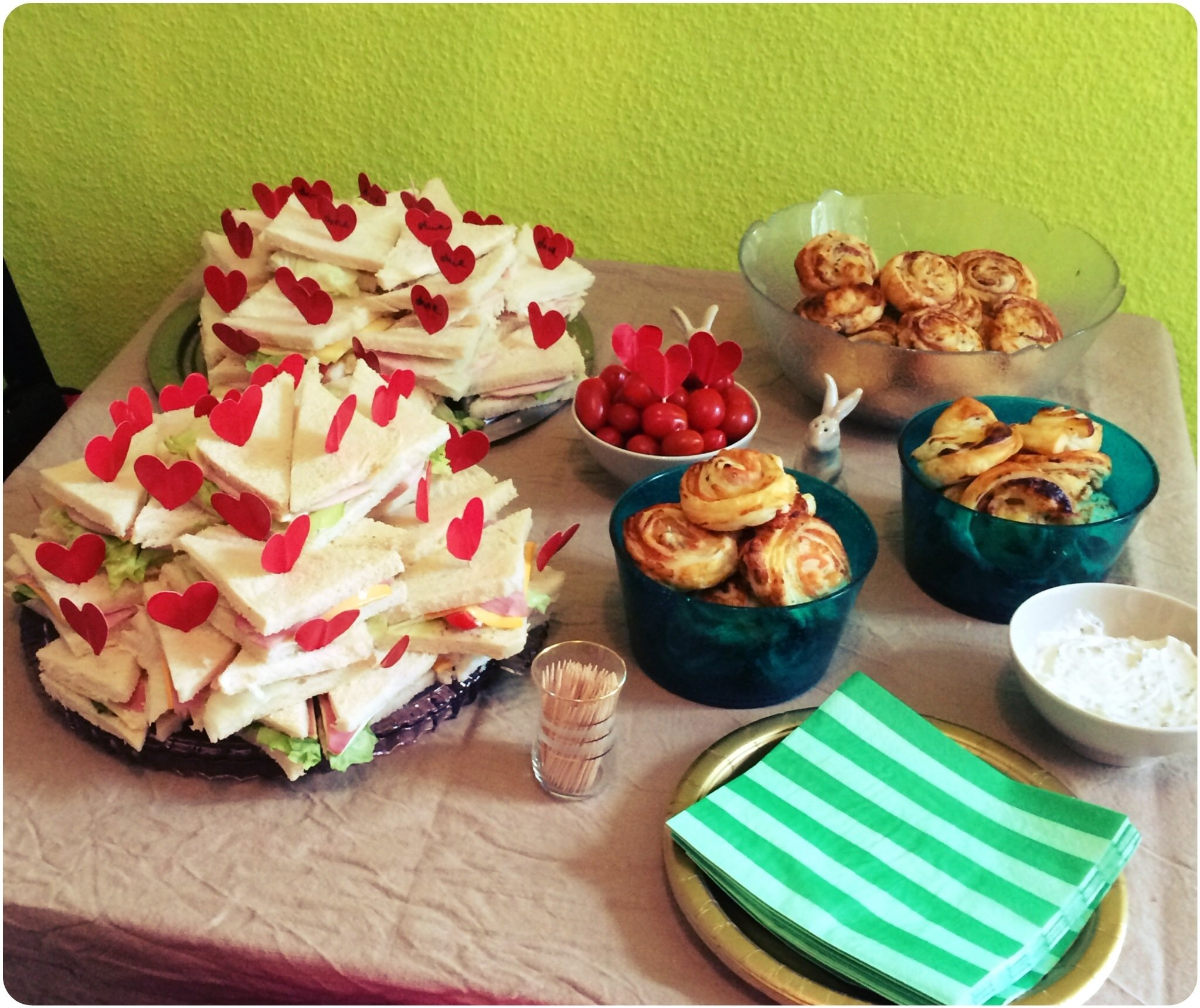 10 Elegant Alice In Wonderland Party Food Ideas halloween party here comes alice heartthing 2021